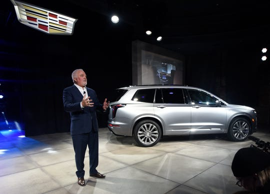 Cadillac's 3-row XT6 makes live debut ahead of Detroit ...