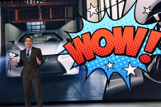 Lexus reveals it's LC convertible concept at the Detroit auto show.