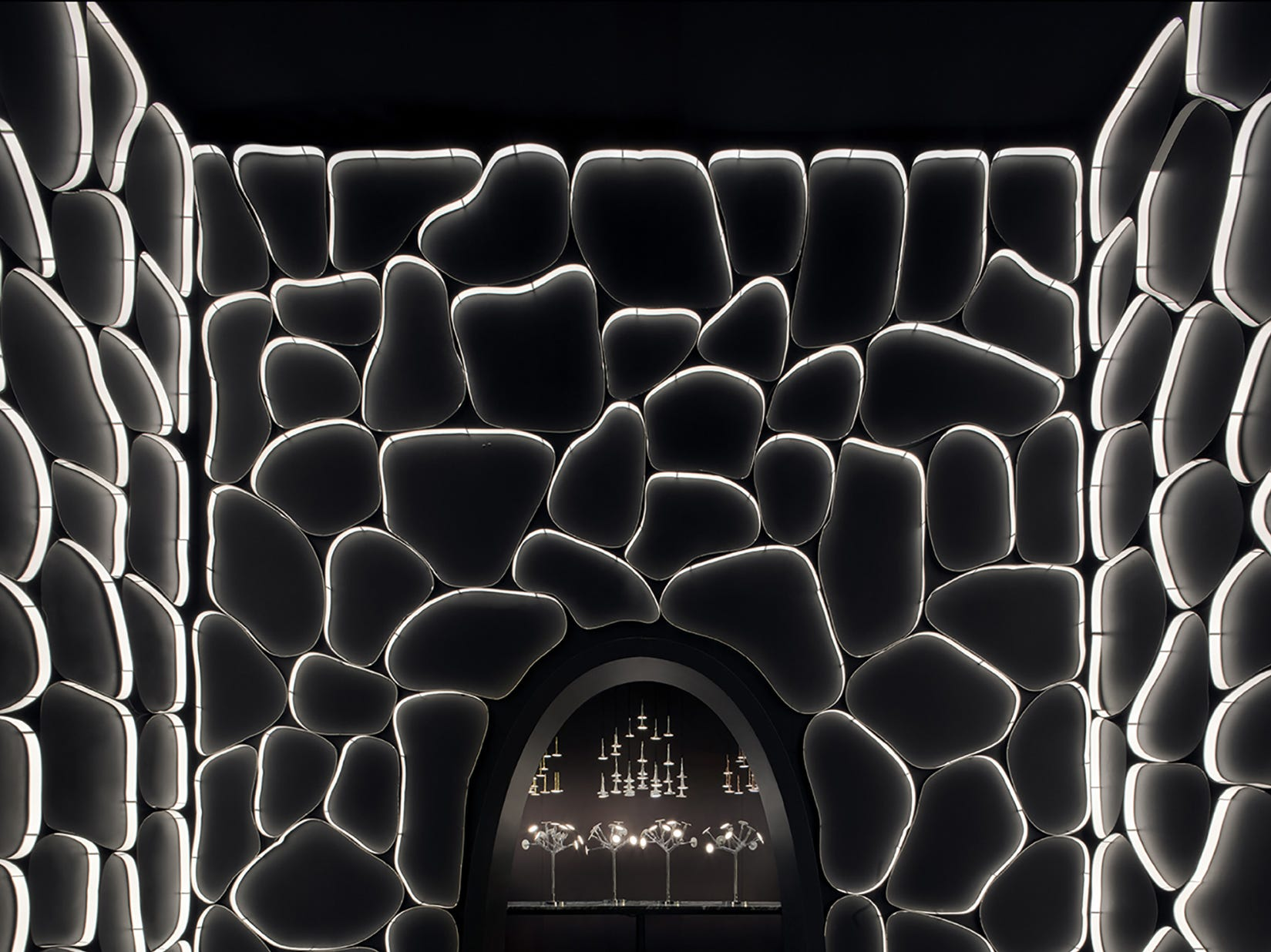 The BlackBody brand is an innovator in OLED technology. Here, bendable OLEDs create a dramatic experiential environment at Maison et Objet 2016.