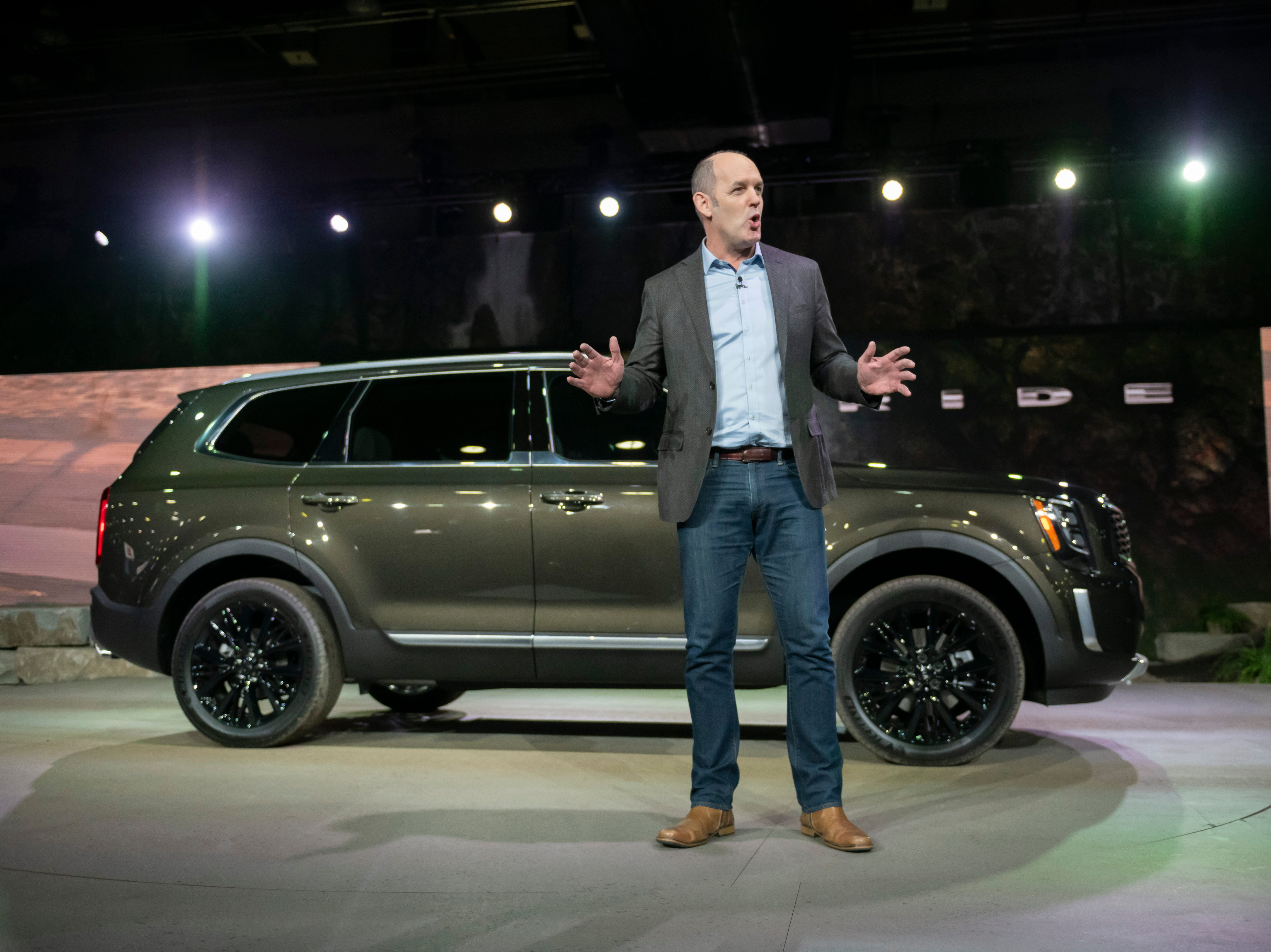Michael Cole, chief operating officer and executive vice president at Kia Motors America, talks about the 2020 Kia Telluride during its reveal.
