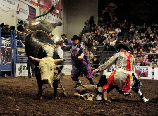 Bull Rider Mason Lowe Dies At Pbr Event In Denver
