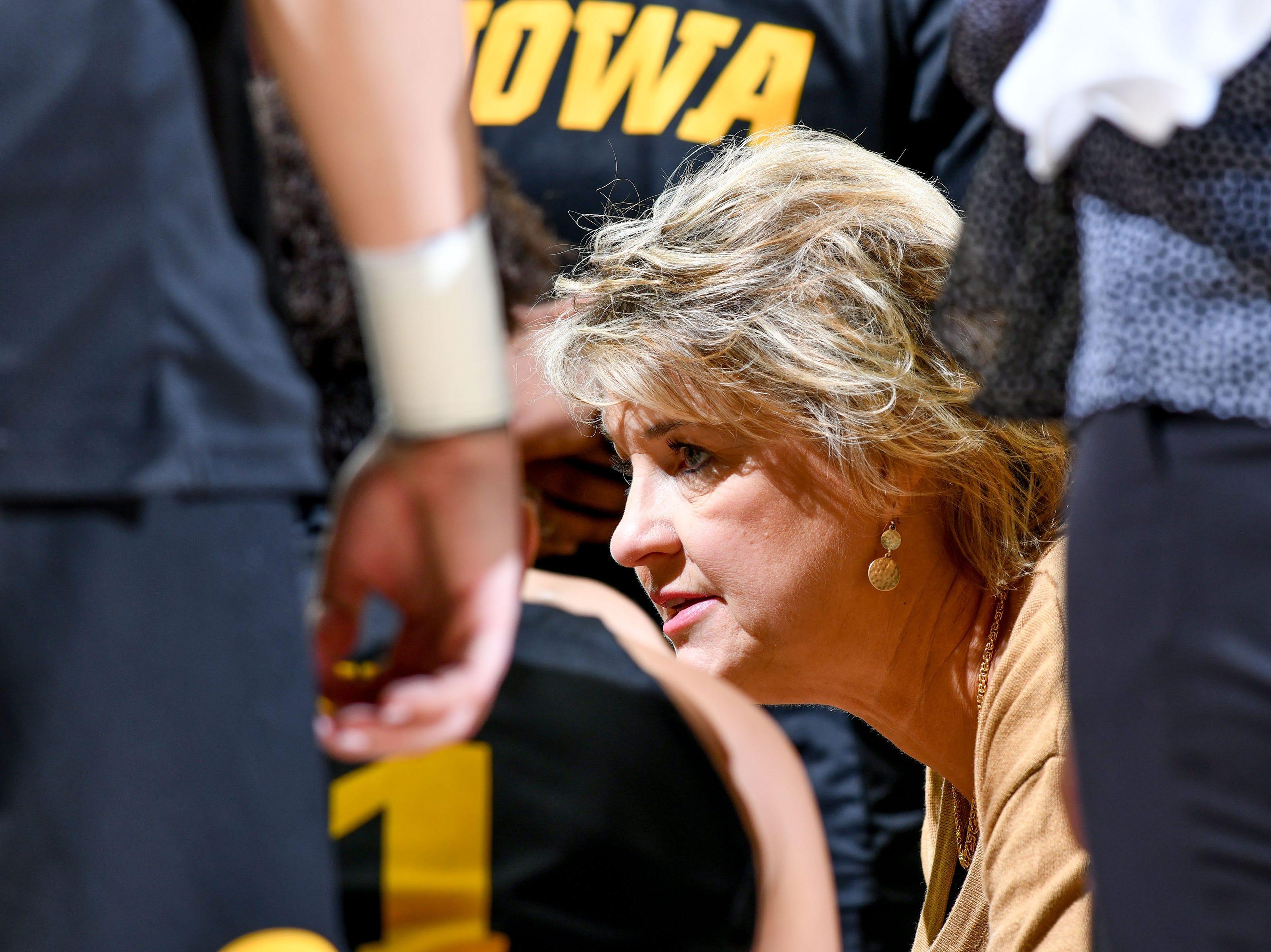 Iowa women's basketball: Second-half surge lifts No. 22 Hawkeyes to road win over Minnesota