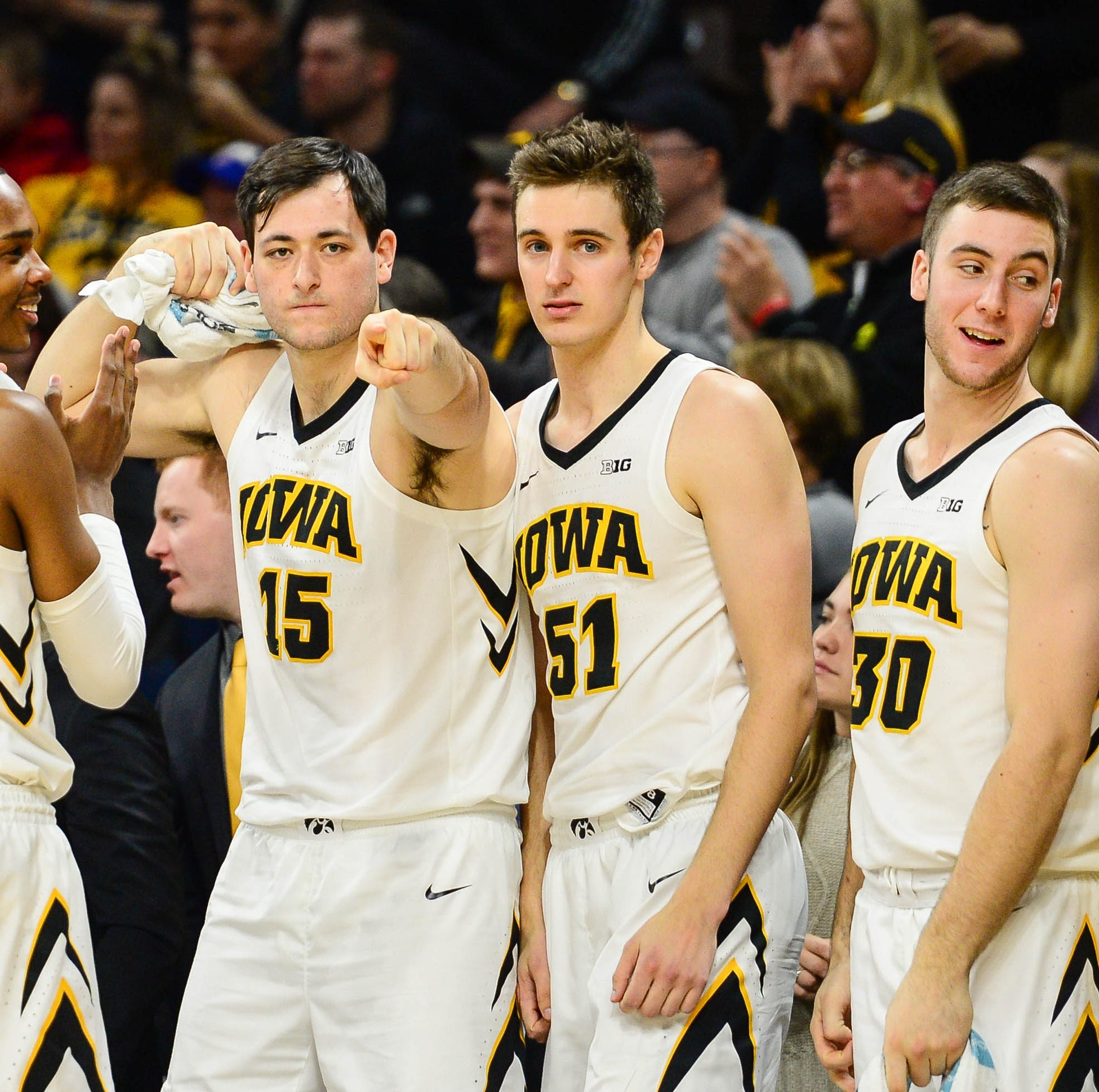 Iowa men inch up in coaches' poll, re-enter Associated Press basketball rankings