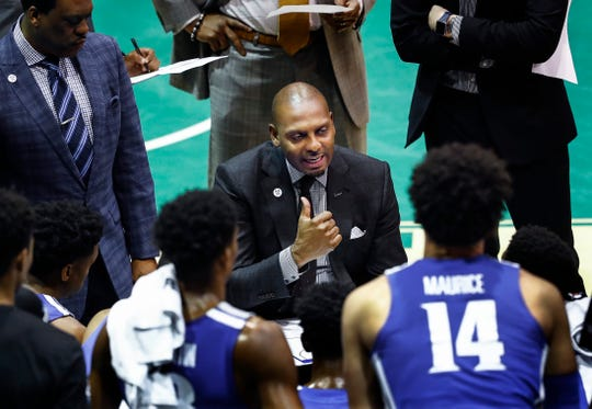 Memphis head coach Penny Hardaway during a timeout against Tulane in New Orleans, Sunday, January 13, 2019.
