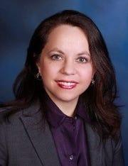 Dr. Ana Leech