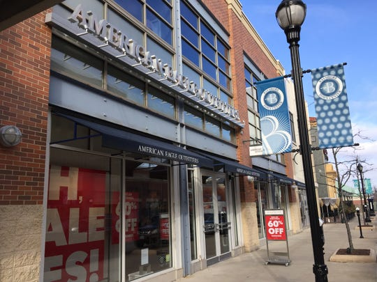 The American Eagle store at Bayshore Town Center is closing, adding to the list of vacancies at the Glendale shopping center.