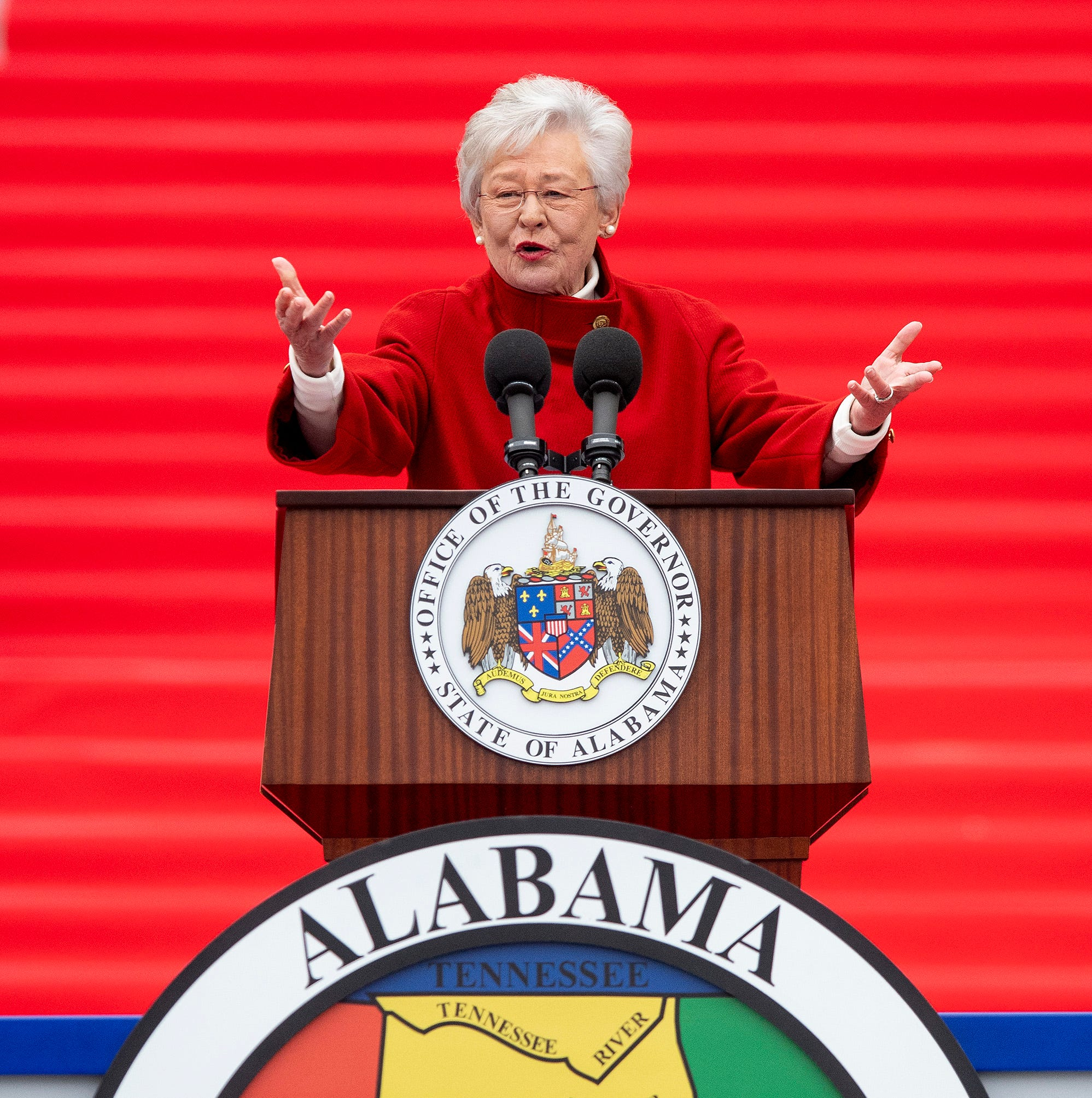 Gov. Kay Ivey calls for road improvements, prison changes in inaugural address