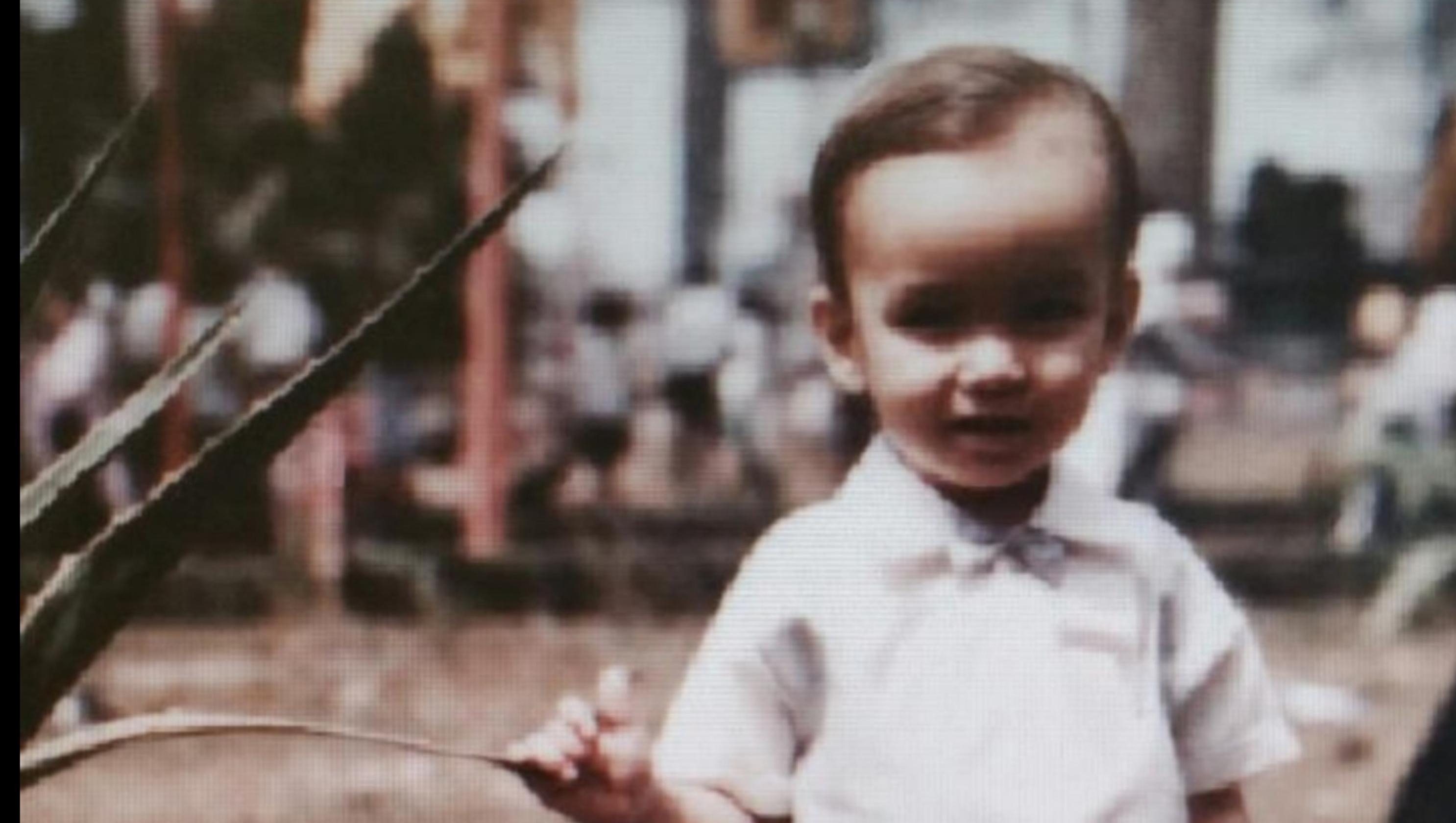 b8c1ee210 Tennessee Vietnam veteran meets Vietnamese-American son after 50 years
