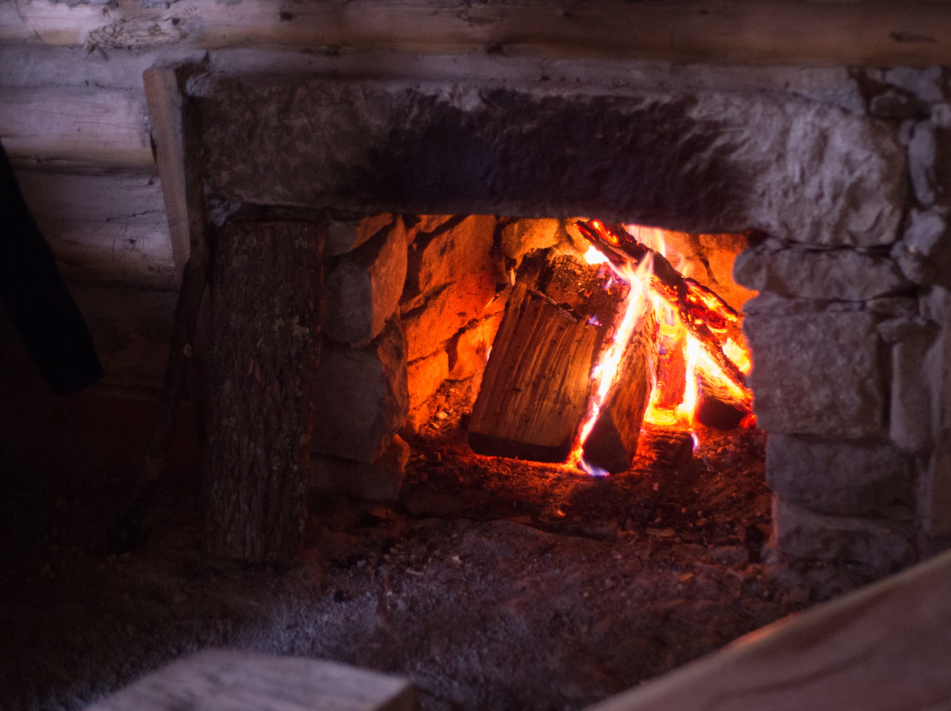 Attendees could enjoy a warm fire during a Tomahawk Throwing for Beginners event hosted by Middle Tennessee History Coalition at Bledsoe Creek State Park on Saturday, Jan. 12.