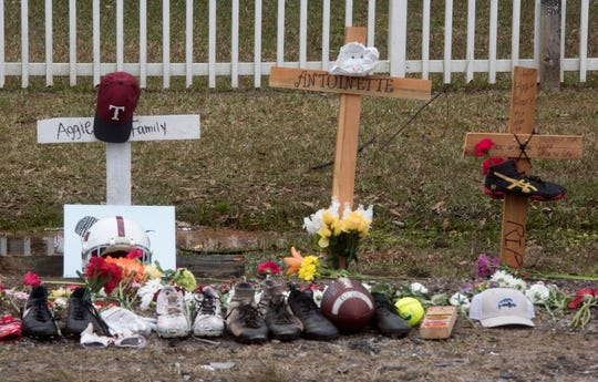 A memorial to Tate High School sophomore, Sean Banks, and his older sister, Antoinette McCoy, has popped up on Kingsfield Road on Monday, Jan. 14, 2019. The brother and sister were killed during a car crash early Saturday.