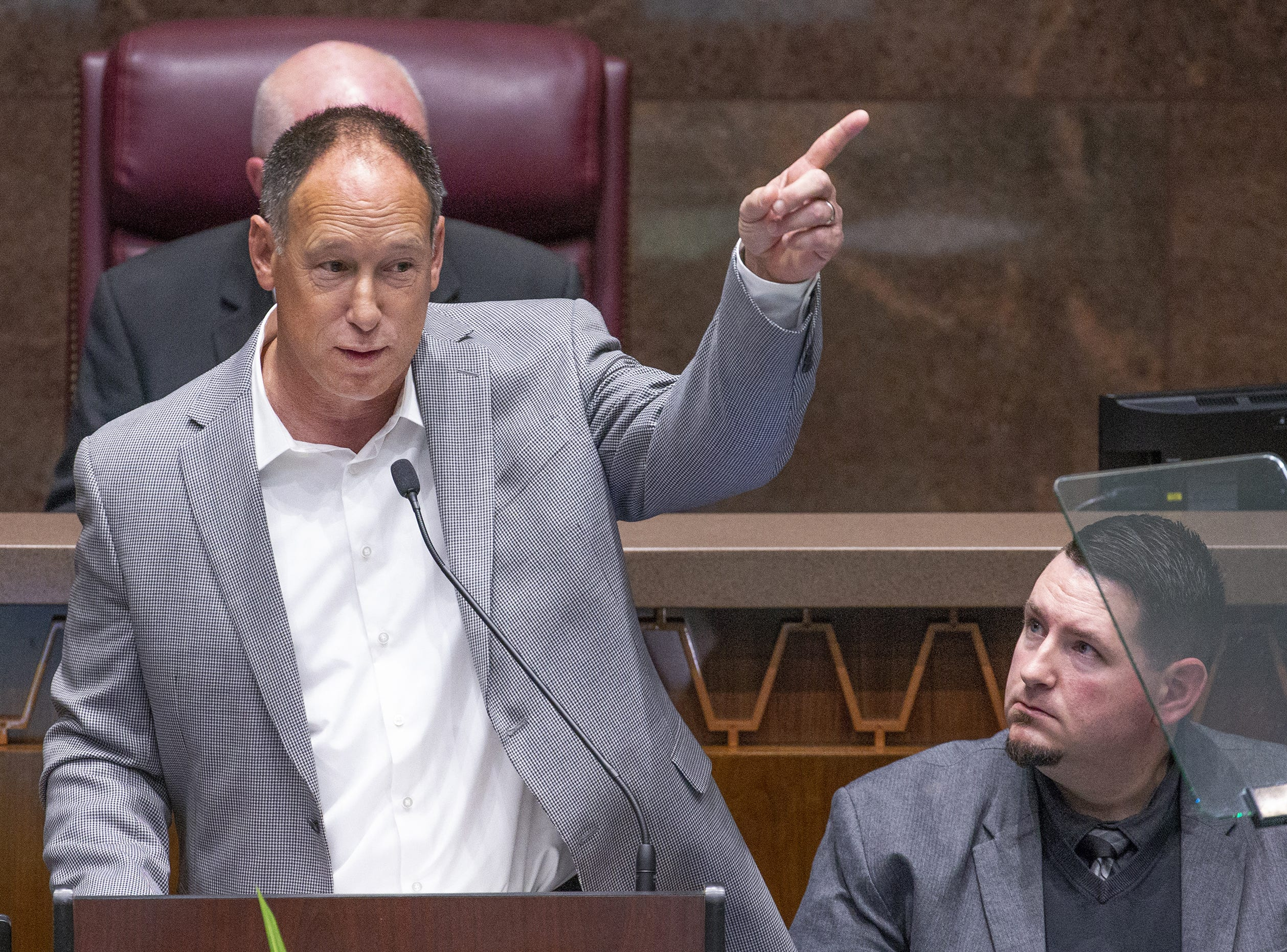 Former Arizona Diamondbacks player Luis Gonzalez speaks to the Legislature and guests in the House of Representatives before Gov. Doug Ducey's State of the State address at the State Capitol, Jan. 14, 2019.