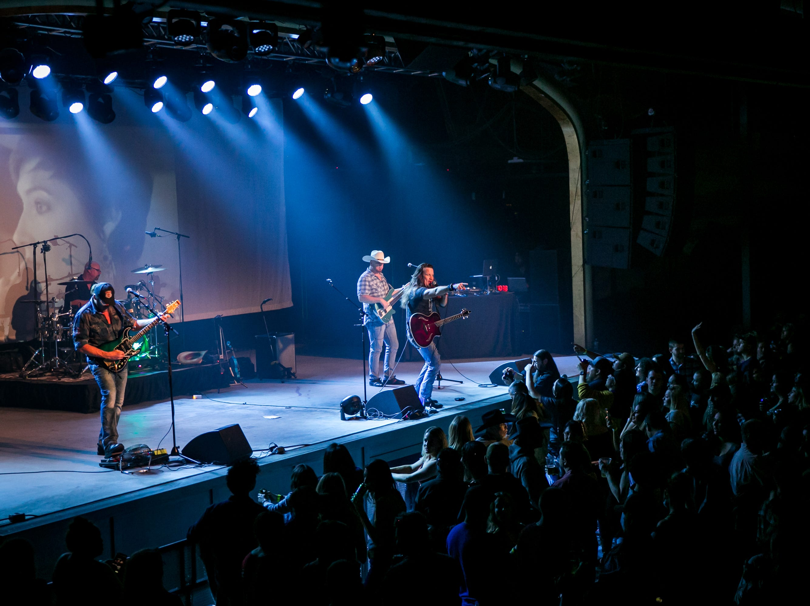 The audience loved Mogollon during the KMLE Country 90's Throwback at The Van Buren on Friday, Jan. 11, 2019.