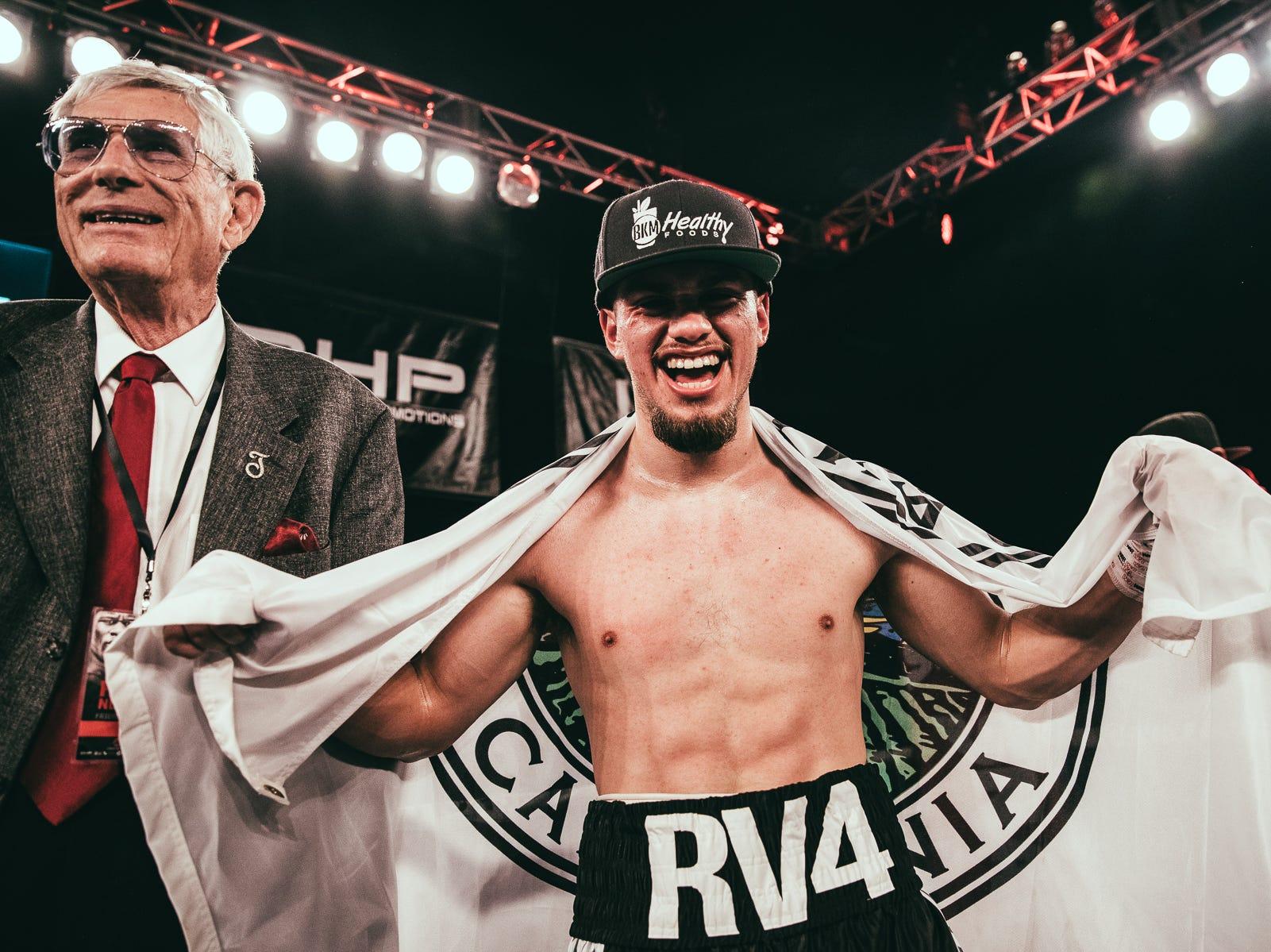 El campeón de boxeo de Salinas, Rubén Villa, gana su primera pelea en televisión nacional