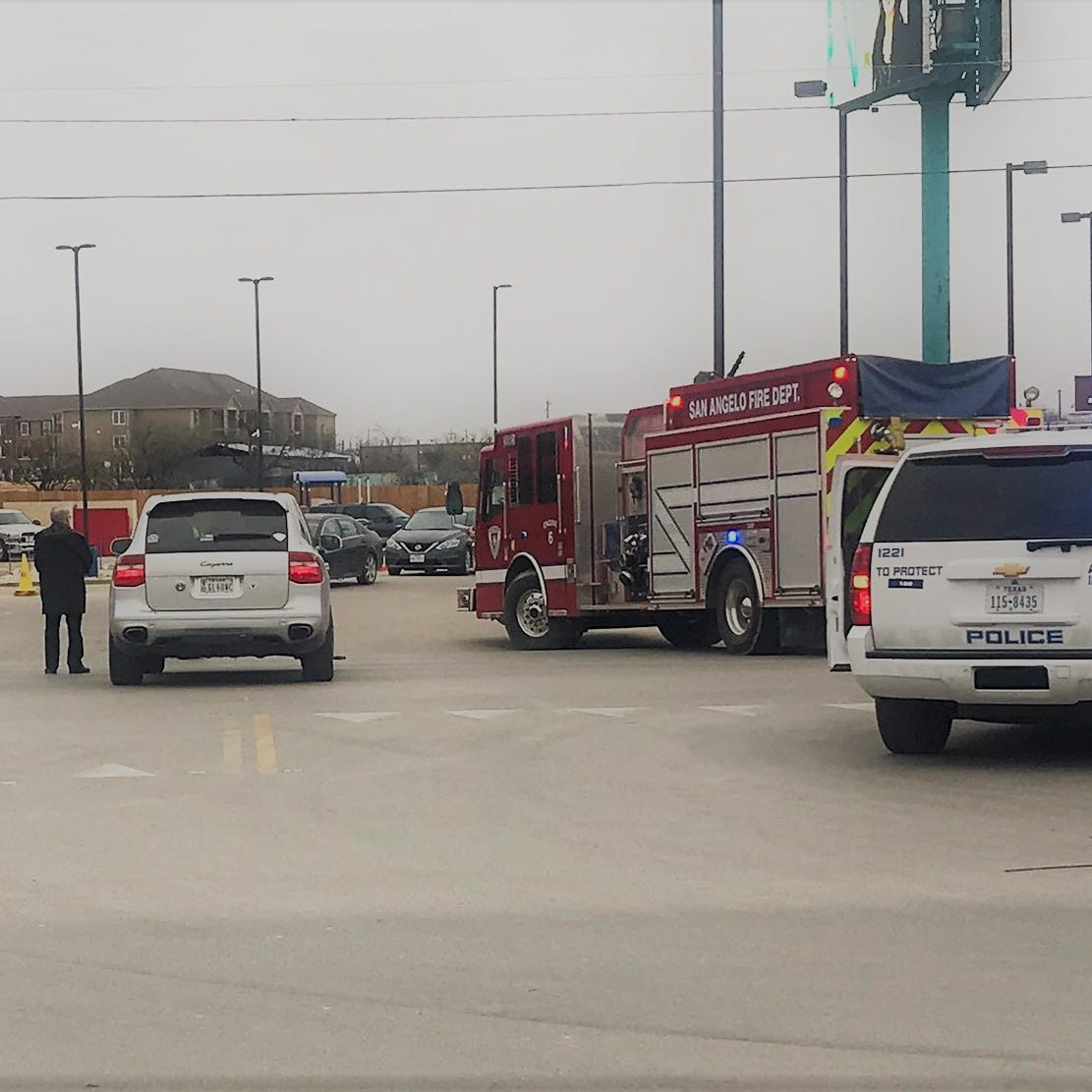 Wreck shuts down six blocks of North Bryant Blvd. in San Angelo