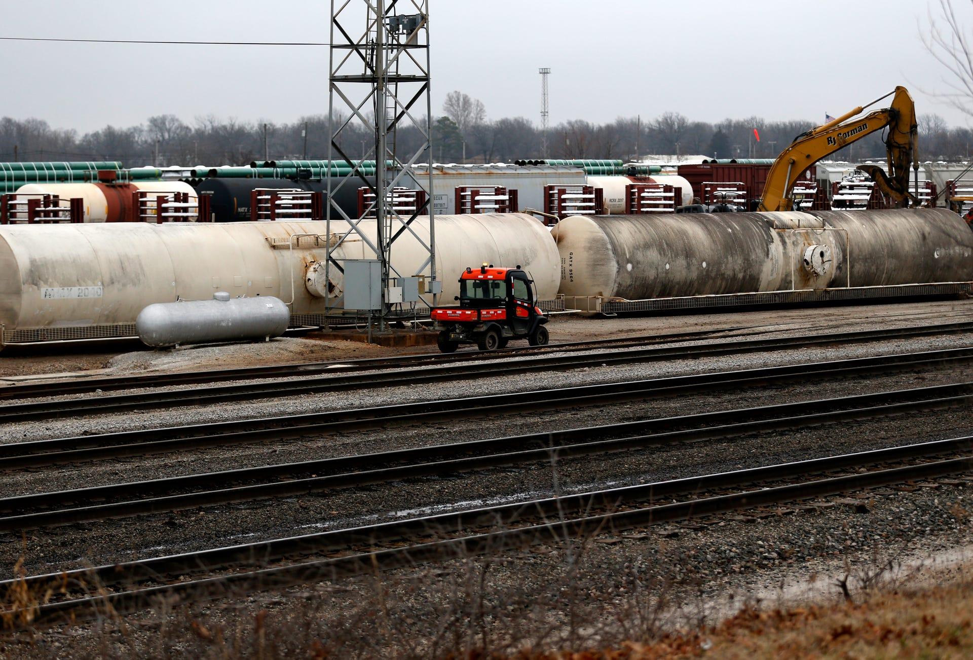 Train derails in north Springfield rail yard