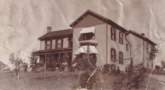 Herringstone, on Old Greenville Road, was the home to Elizabeth Rawlinson and her parents.