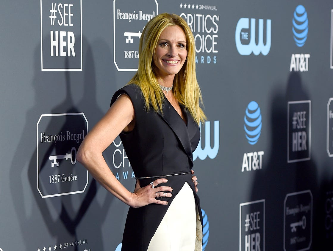 The 2019 Critics' Choice Movie and TV Awards were handed out on Sunday at the Barker Hangar in Santa Monica, California. On the red … er, blue carpet … the stars shone. Here,  Julia Roberts arrives.