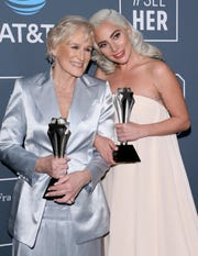 Best actress winners (tie) Glenn Close and Lady Gaga pose in the press room during the 24th Critics' Choice Awards at Barker Hangar Santa Monica airport on January 13, 2019 in Santa Monica, California. (Photo by Jean-Baptiste LACROIX / AFP)JEAN-BAPTISTE LACROIX/AFP/Getty Images ORG XMIT: 24th Crit ORIG FILE ID: AFP_1C77FK