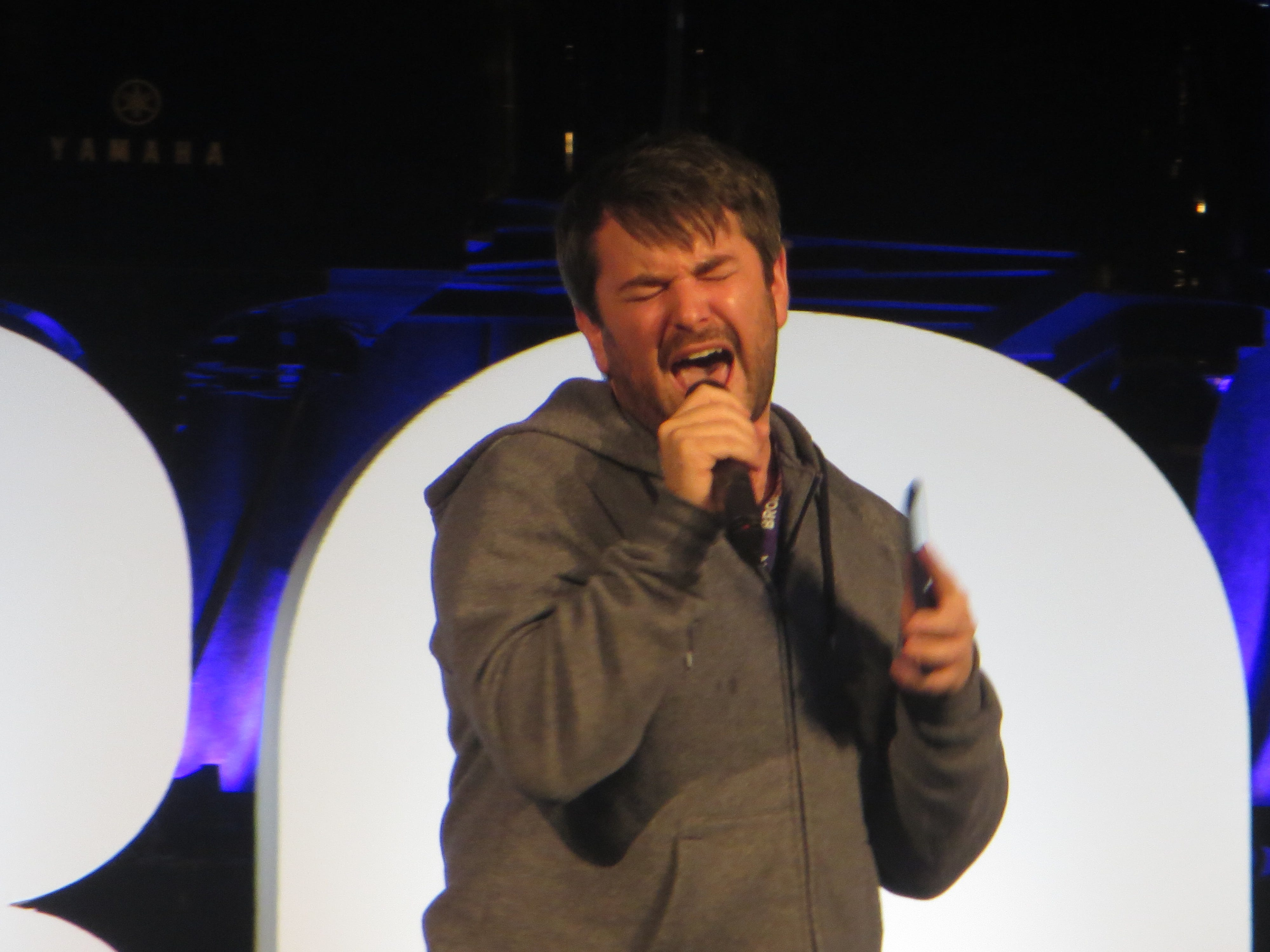 Alex Brightman performs during BroadwayCon Jukebox at BroadwayCon 2019, held Jan. 11 to 13, 2019, at the New York Hilton Midtown in Manhattan.