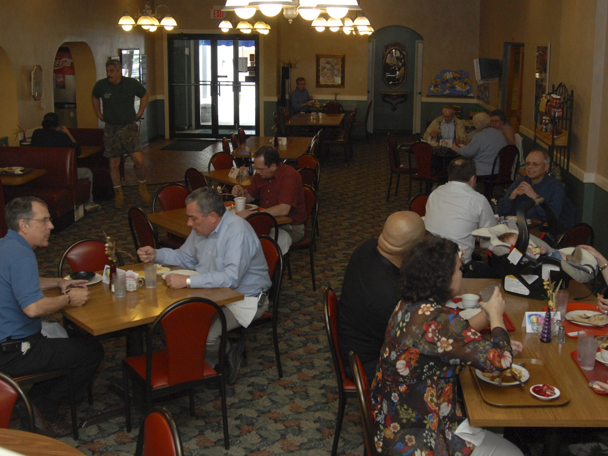 The lunchtime crowd eats at Shrank's Cafeteria in 2007.