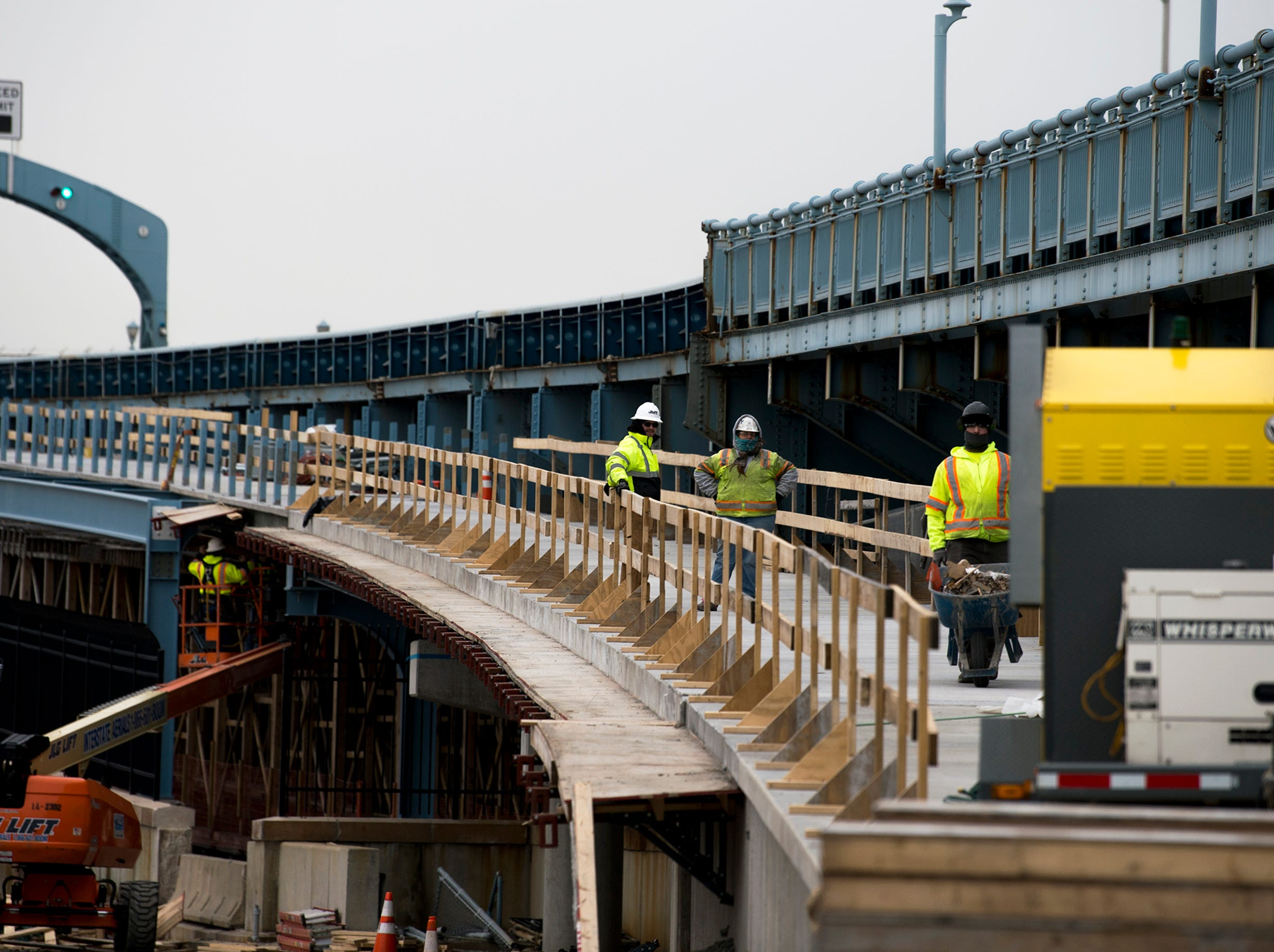 Construction continues on a pedestrian and bicycle ramp on the Benjamin Franklin Bridge Monday, Jan. 7, 2019 in Camden, N.J.