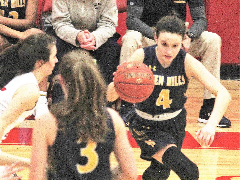 Seven Hills' Annie Leeper drives inside as Beechwood beat Seven Hills 57-54 in girls basketball Jan. 15, 2019 at Beechwood HS, Fort Mitchell KY.
