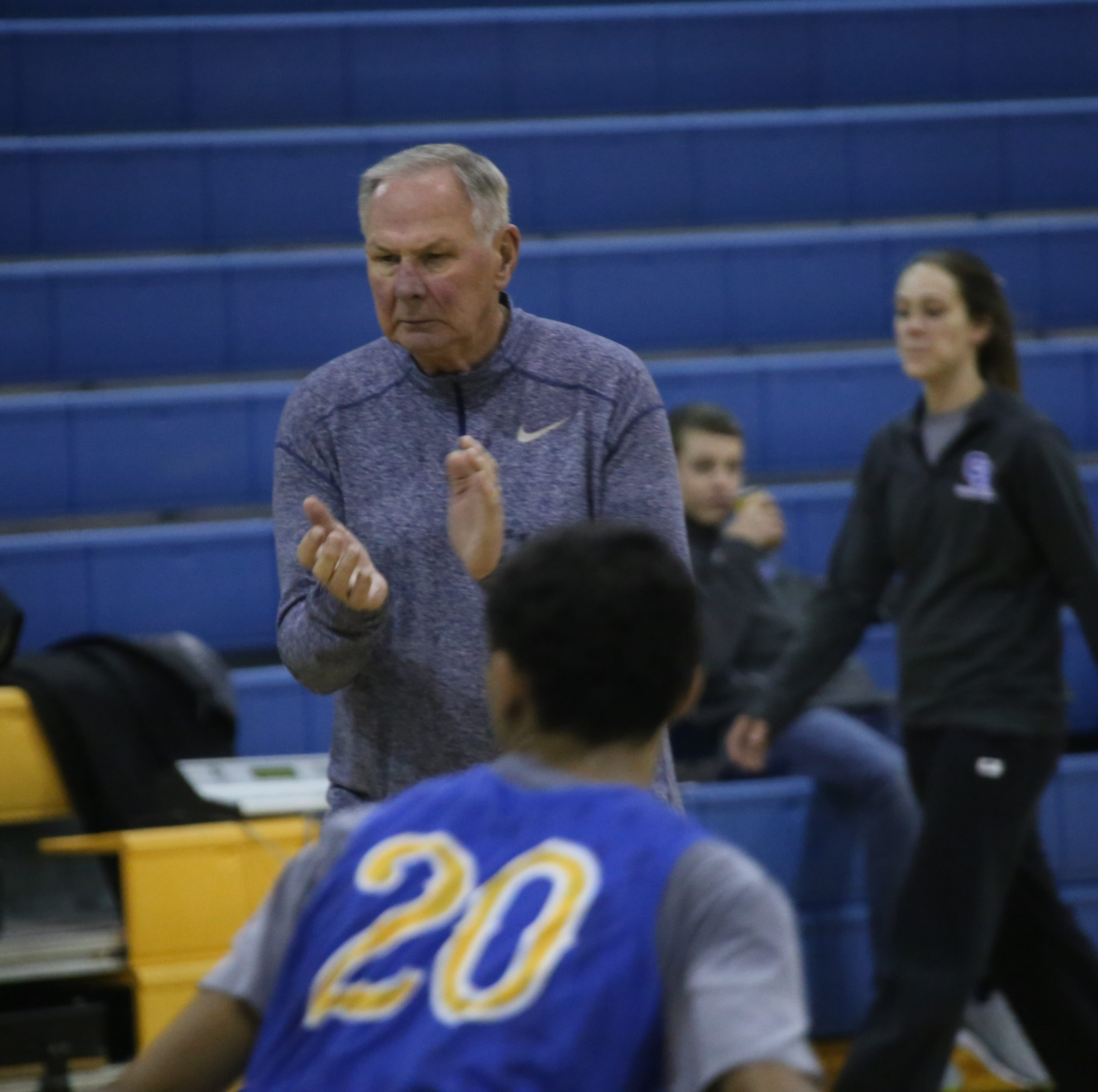 Austin Peay basketball coaching legend Dave Loos back on sidelines at Clarksville Academy