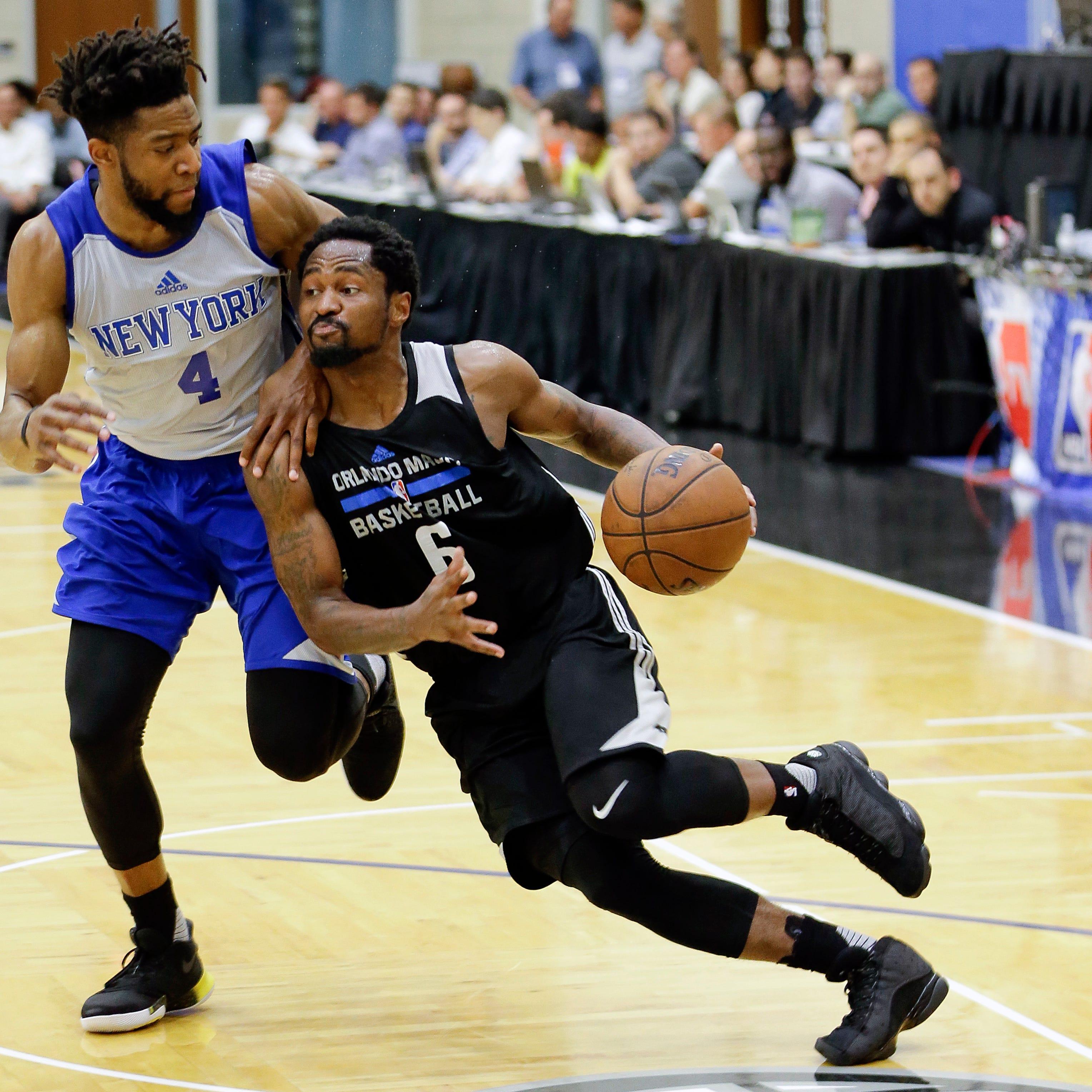 Pistons sign guards Kalin Lucas, Isaiah Whitehead