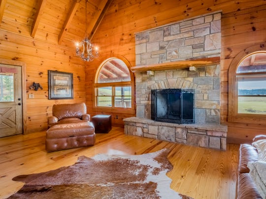 Seven Lakes Ranch features a guest log cabin with room for 10.