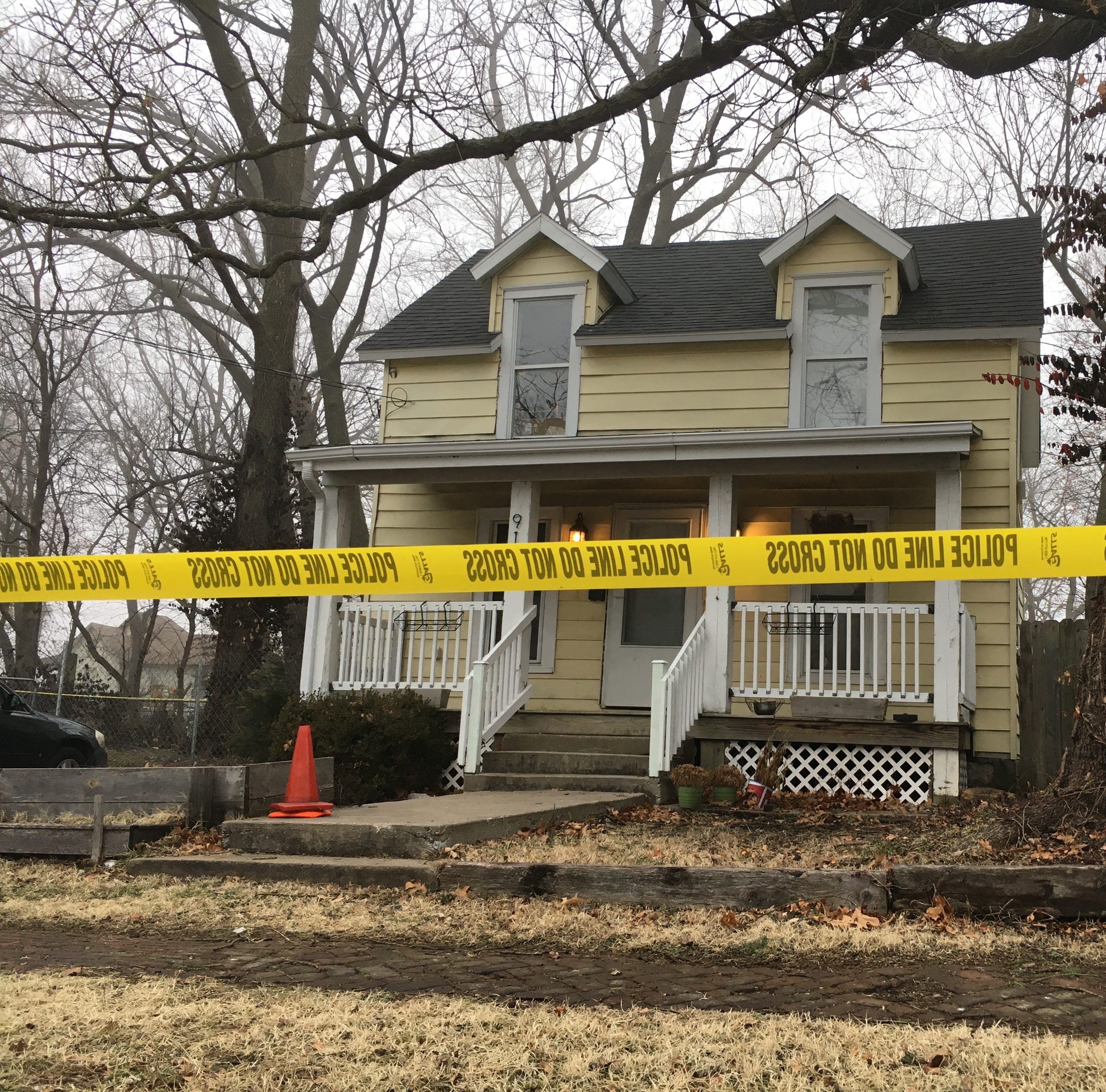 One dead, one in custody after shooting in Springfield