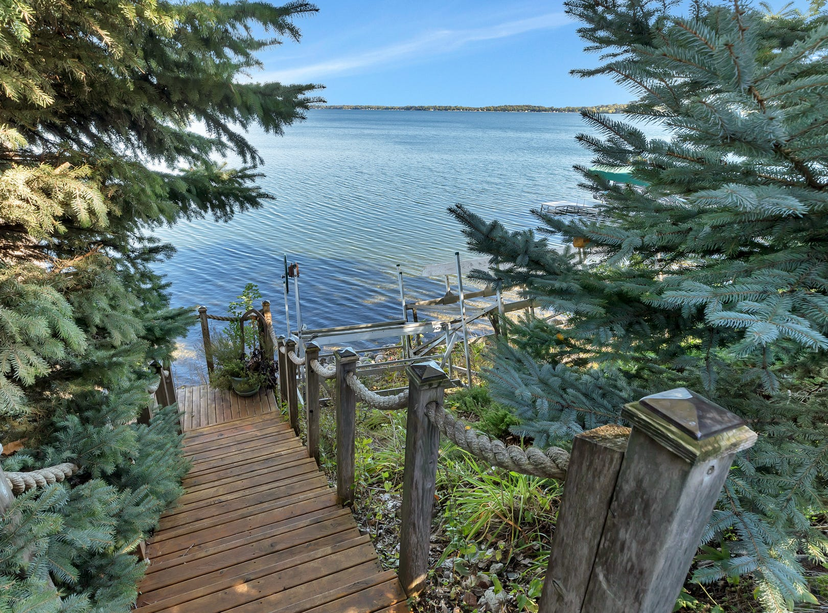 The home sits on 103 feet of Green Lake shoreline