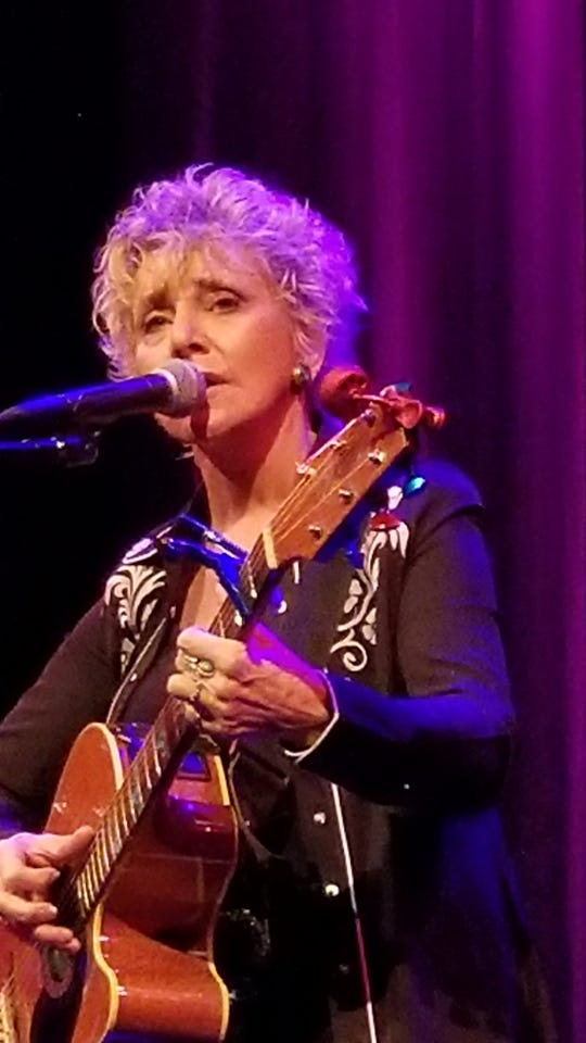 Lacy J. Dalton headlines a benefit Saturday in Ventura for the Santa Paula Animal Rescue Center — SPARC.