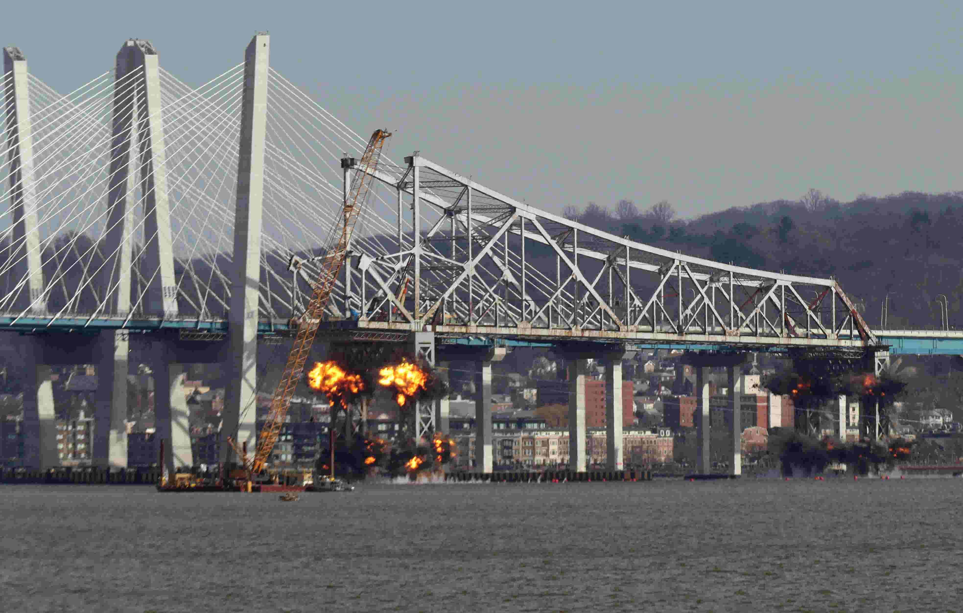 Video: Tappan Zee Bridge demolition
