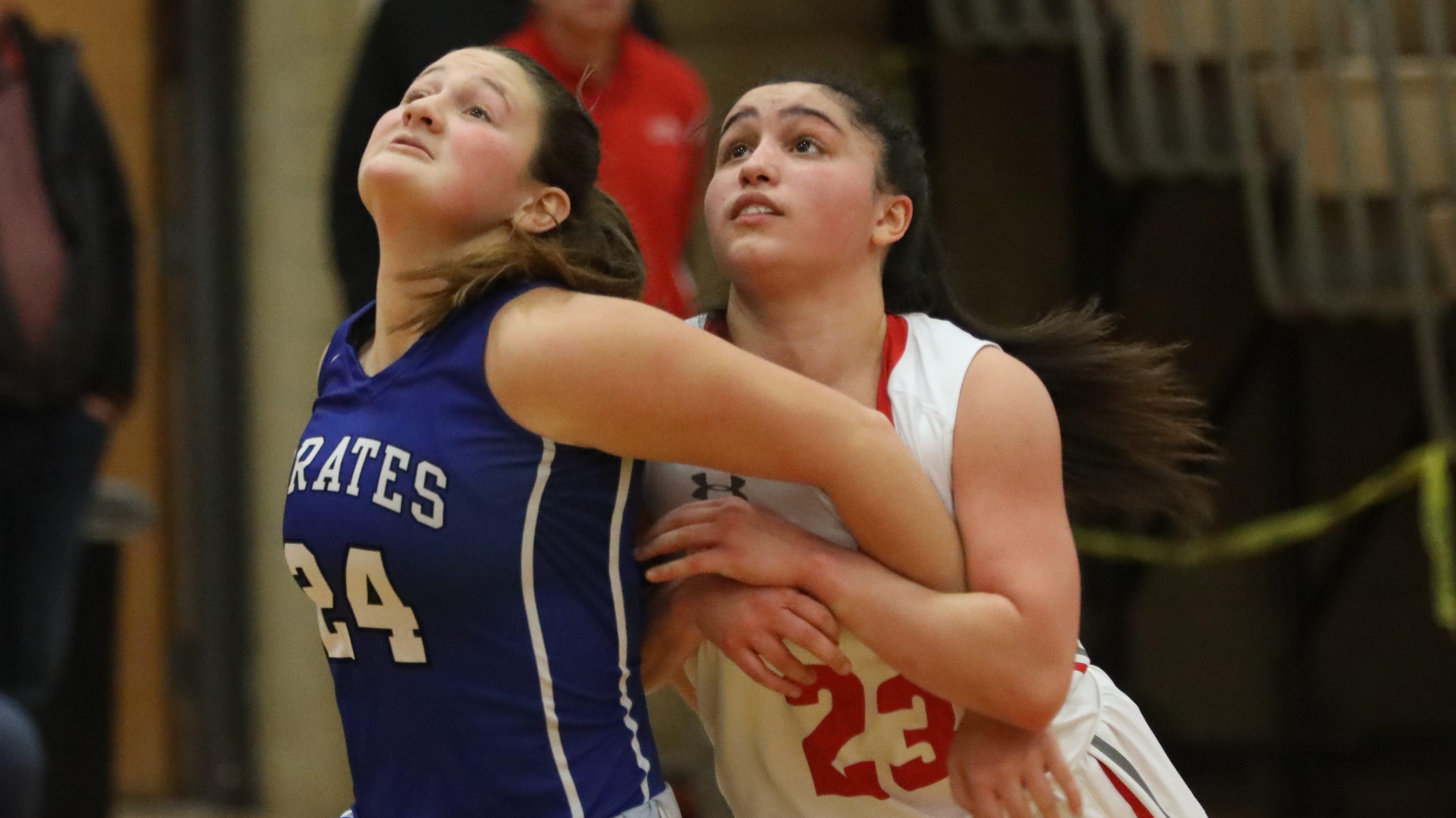 Tappan Zee defeats Pearl River 54-53 during girls basketball game at Tappan Zee High School in Orangeburg on Jan. 14, 2019.