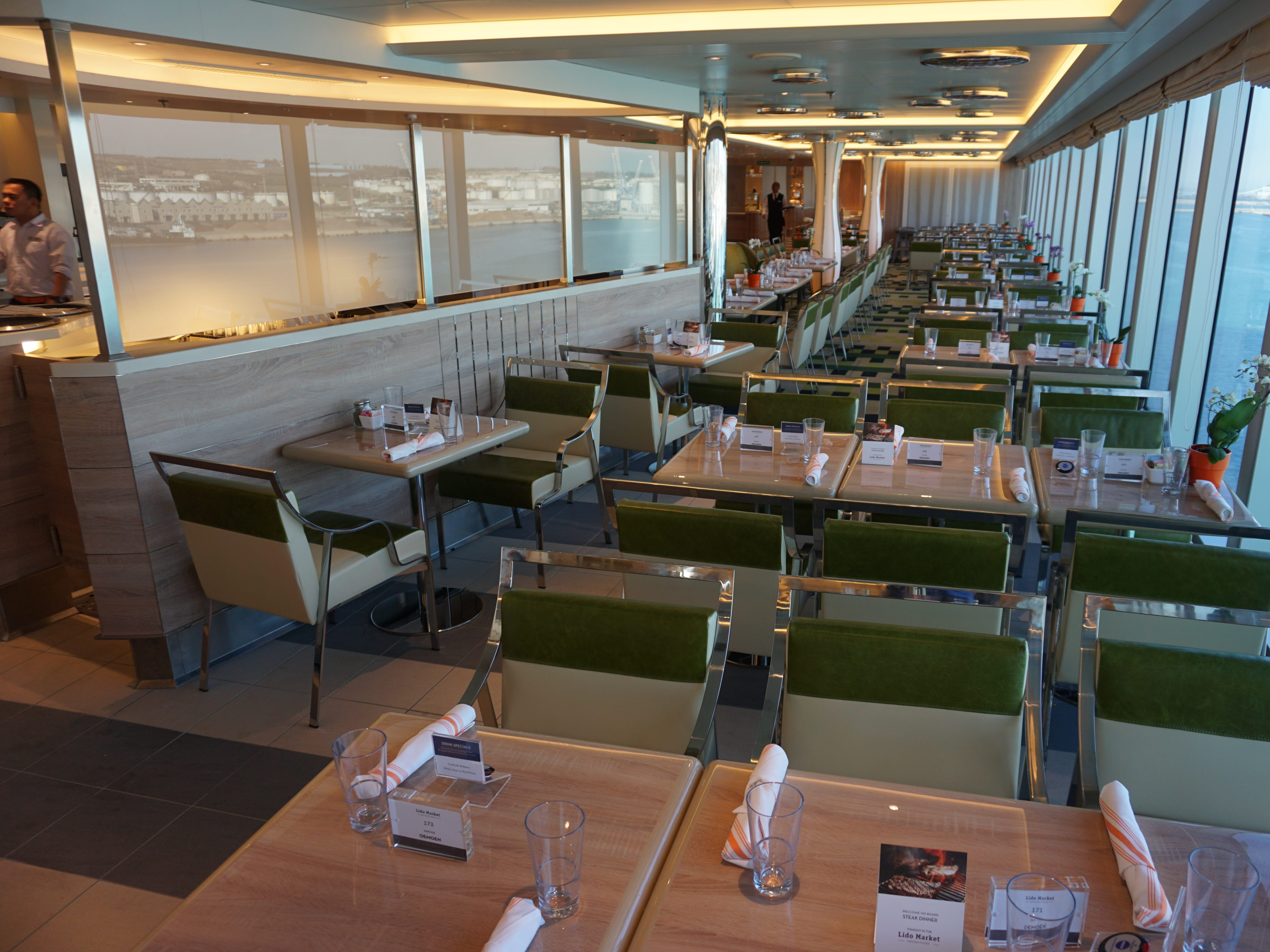 The 654-seat Lido Market is Nieuw Statendam's casual, included-in-the-fare eatery with a variety of food stations.