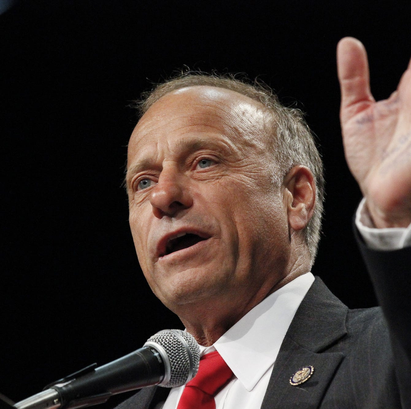 Rep. Steve King says he regrets white supremacy comments, joins lawmakers in condemning remarks