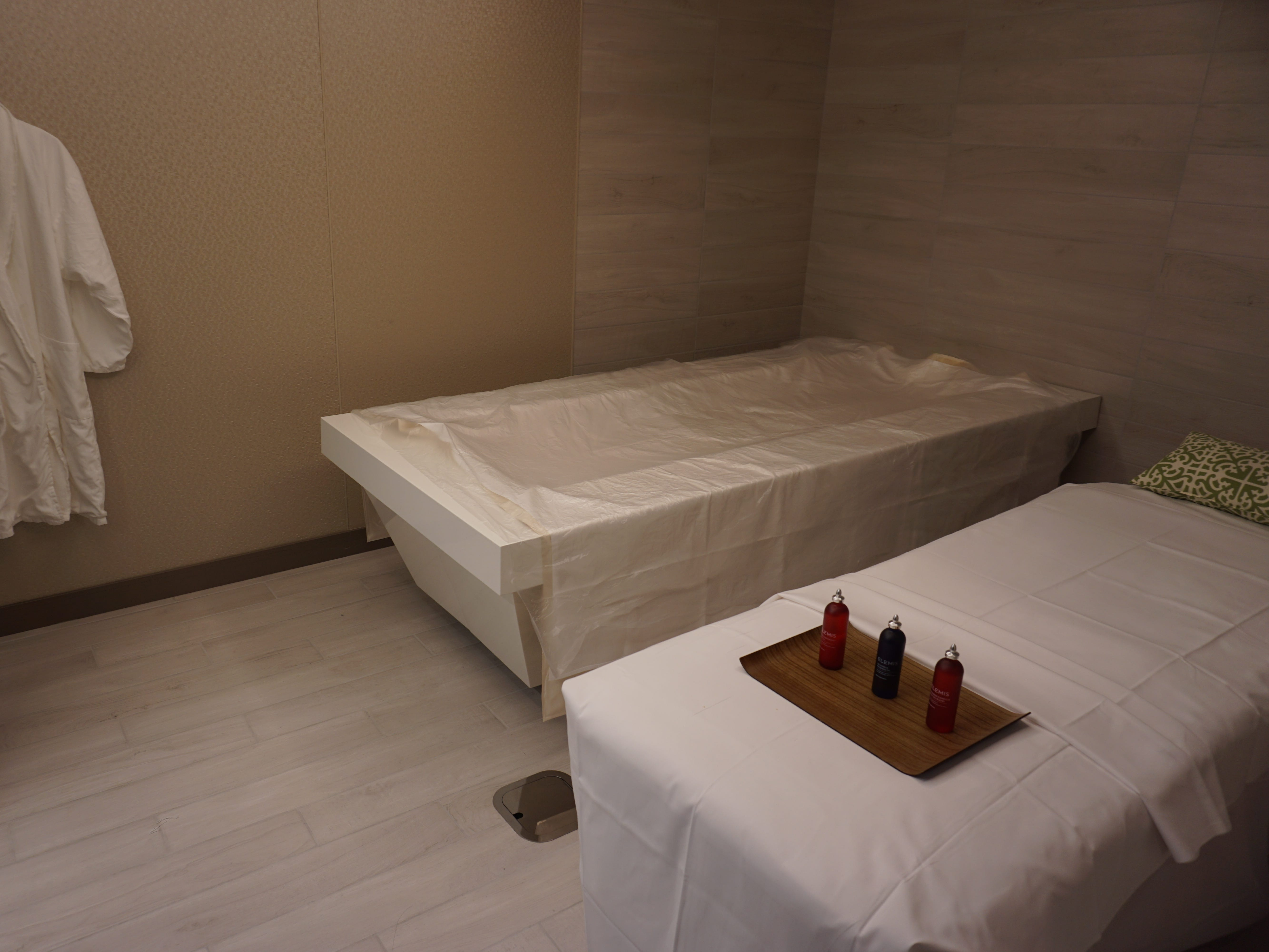 Among its varied private treatment rooms, the Greenhouse Spa has a Hydro and massage room for couples.