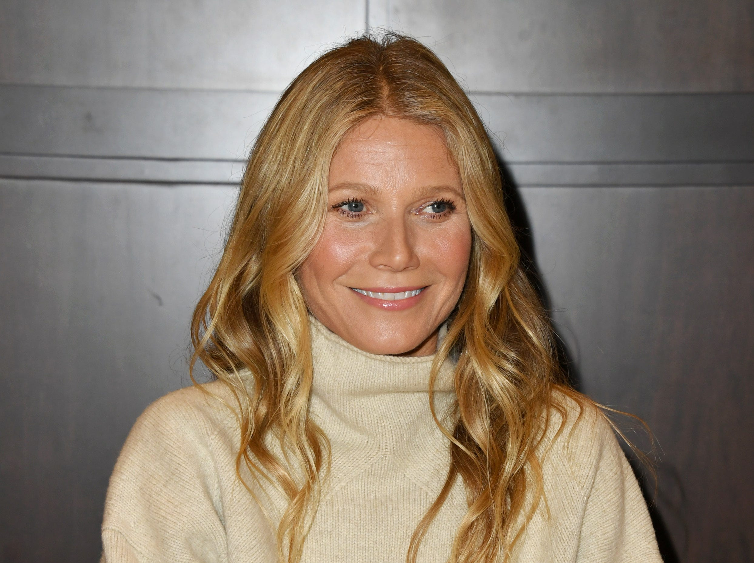 "LOS ANGELES, CALIFORNIA - JANUARY 14: Gwyneth Paltrow Signs Copies Of Her New Book ""The Clean Plate"" at Barnes & Noble at The Grove on January 14, 2019 in Los Angeles, California. (Photo by Jon Kopaloff/Getty Images) ORG XMIT: 775277367 ORIG FILE ID: 1094302880"