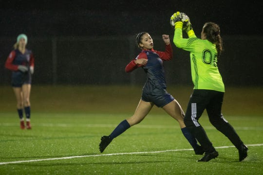 Veterans Memorial girls soccer team defeats Flour Bluff 6-1 at Cabaniss Soccer Field on Tuesday, Jan. 15, 2019.