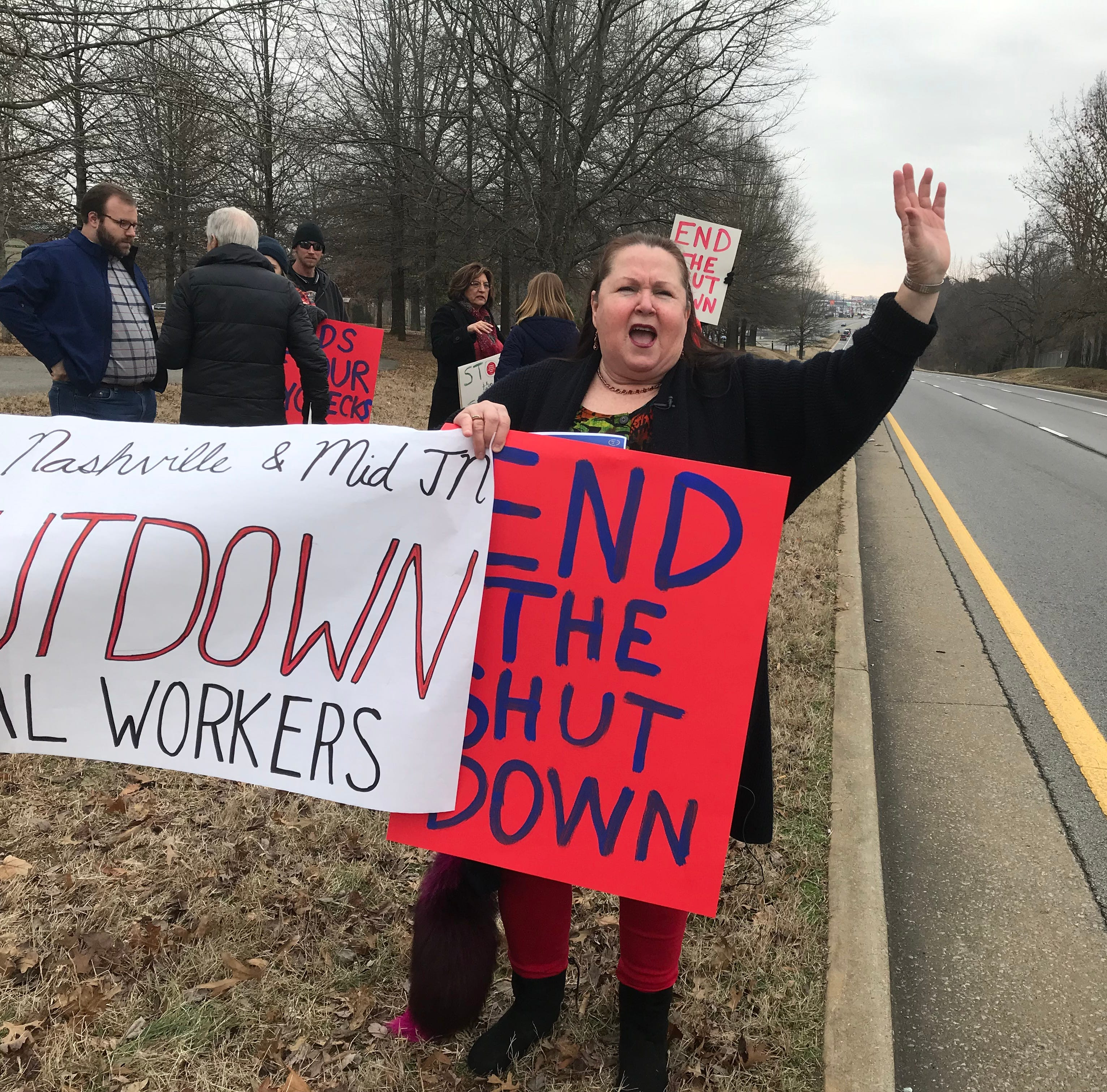 Union and supporters rally in Clarksville, urging Congress, Trump to end shutdown