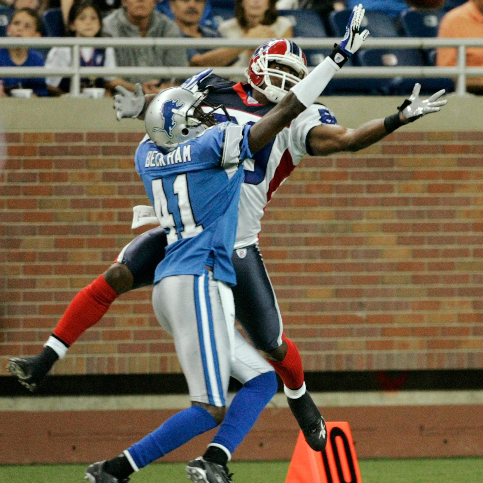 Reports: Ex-Lion Tony Beckham beats up man accused of looking into daughter's window