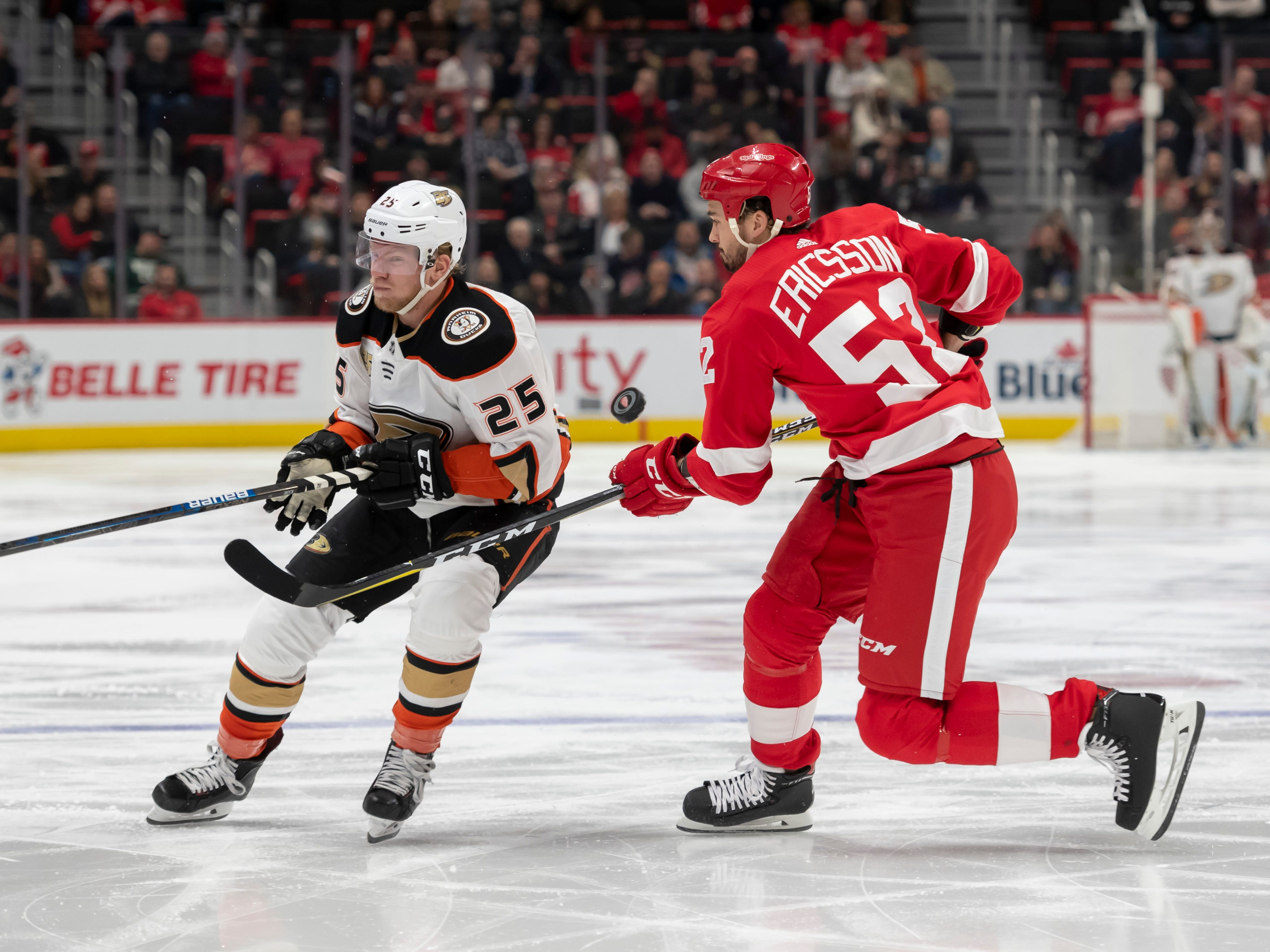 Anaheim right wing Ondrej Kase and Detroit defenseman Jonathan Ericsson battle for the puck in the second period.