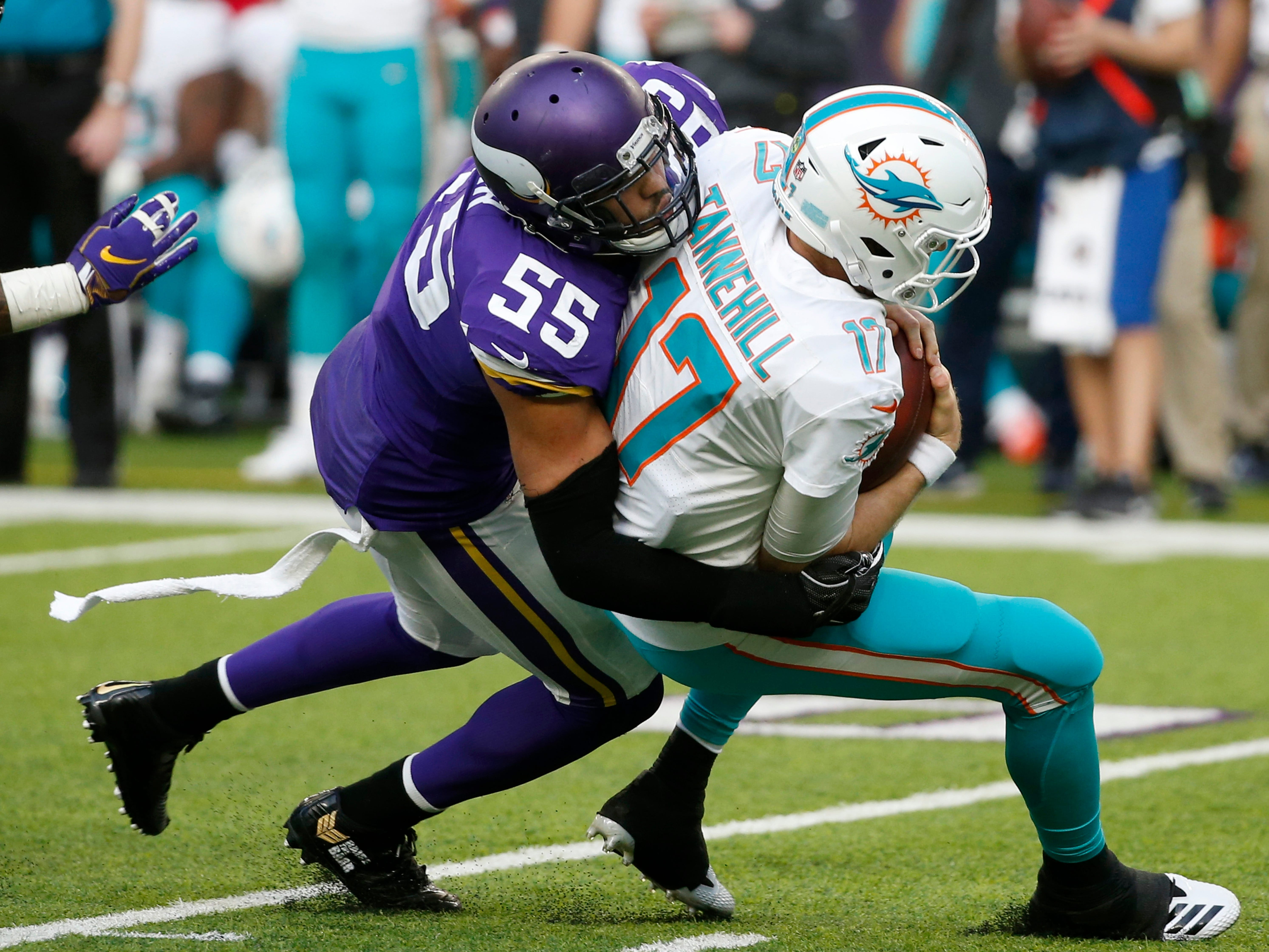 Anthony Barr, OLB, Minnesota: A key cog in the Vikings defense the past several years, Barr's production has never quite lived up to his status as a former top-10 draft pick. He's never hit the quarterback 10 times in a season, never had more than 4.0 sacks or 75 tackles and doesn't force many turnovers. Still, he's an upgrade over Christian Jones, just not one worth breaking the bank to acquire.