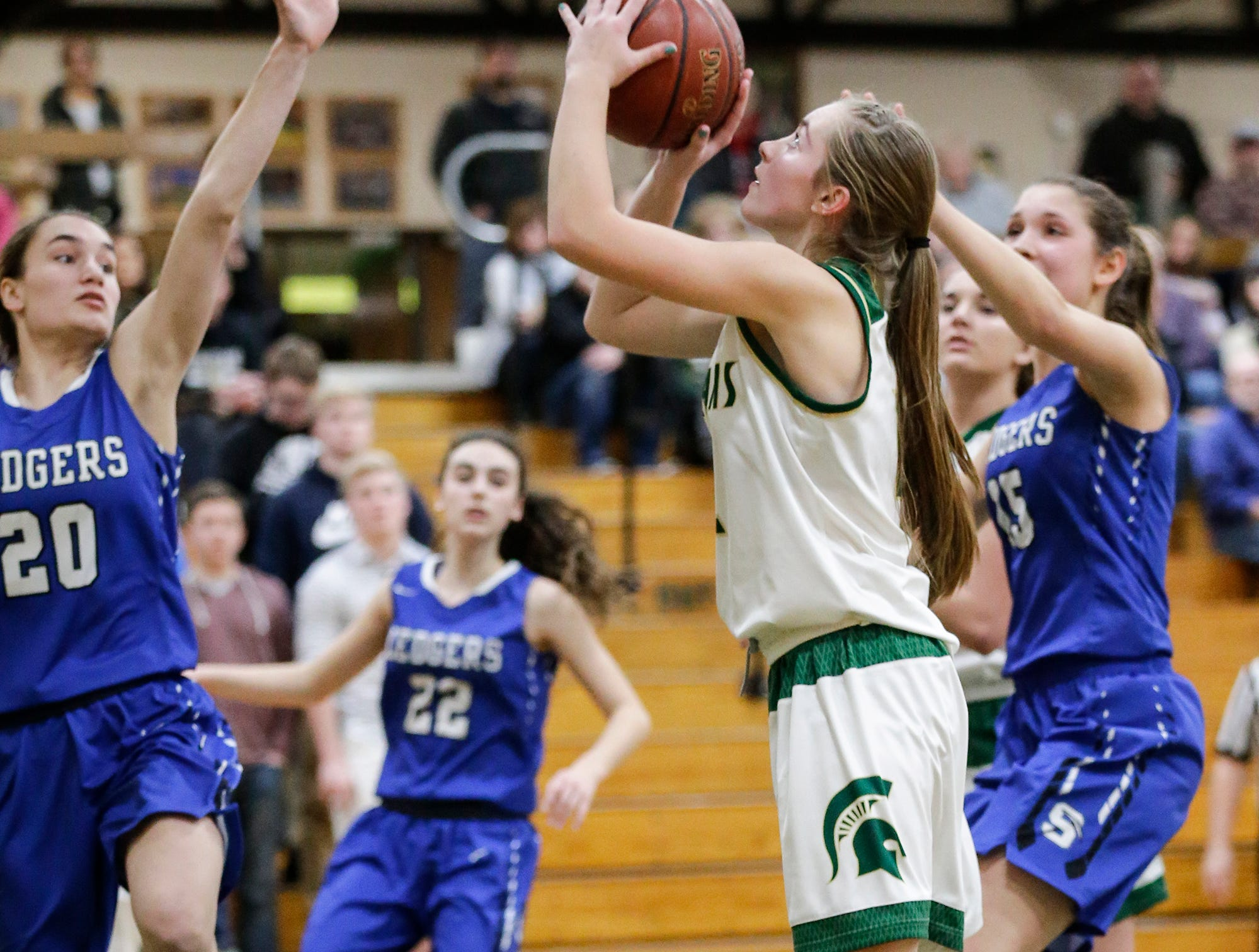 Laconia High School girls basketball's Alissa Dins shoots a basket against St. Mary's Springs Academy Tuesday, January 15, 2019 during their game in Rosendale. Laconia won the game 57-45. Doug Raflik/USA TODAY NETWORK-Wisconsin