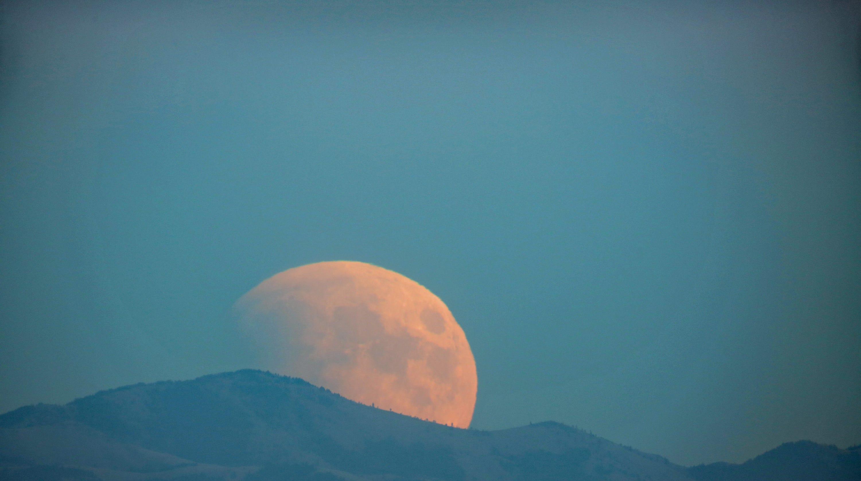 red moon 2019 calendar - photo #22