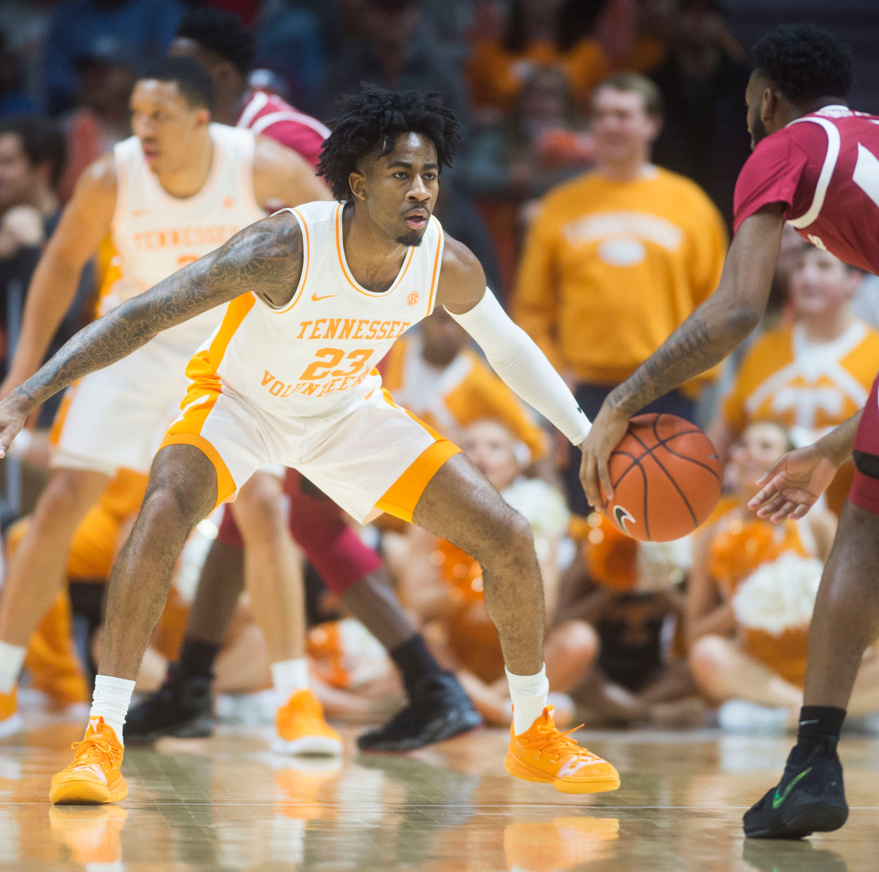 UT Vols basketball: Jordan Bowden, Lamonte Turner roll Arkansas off bench