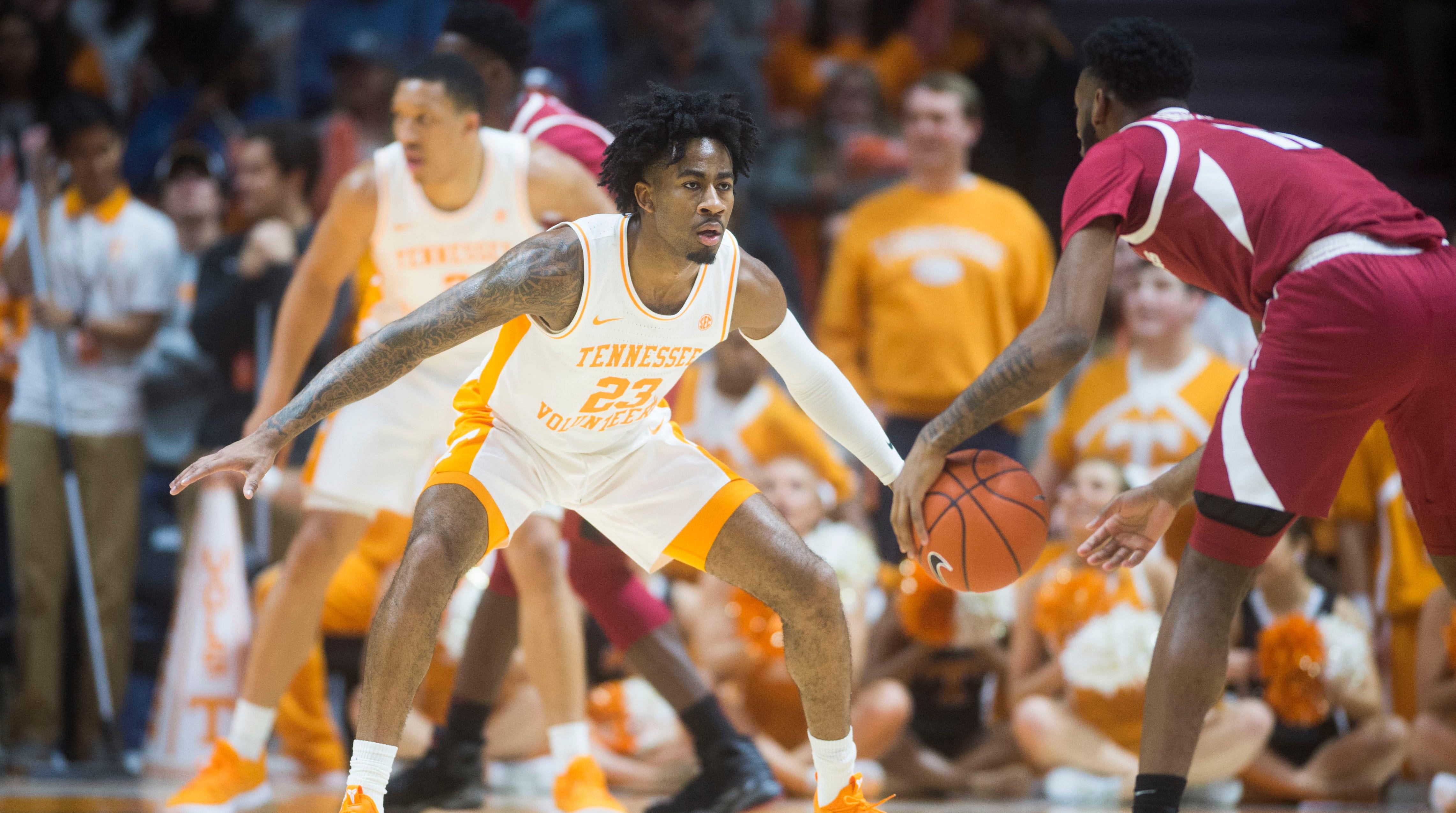 UT Vols basketball: Tennessee scores 106 points to beat Arkansas