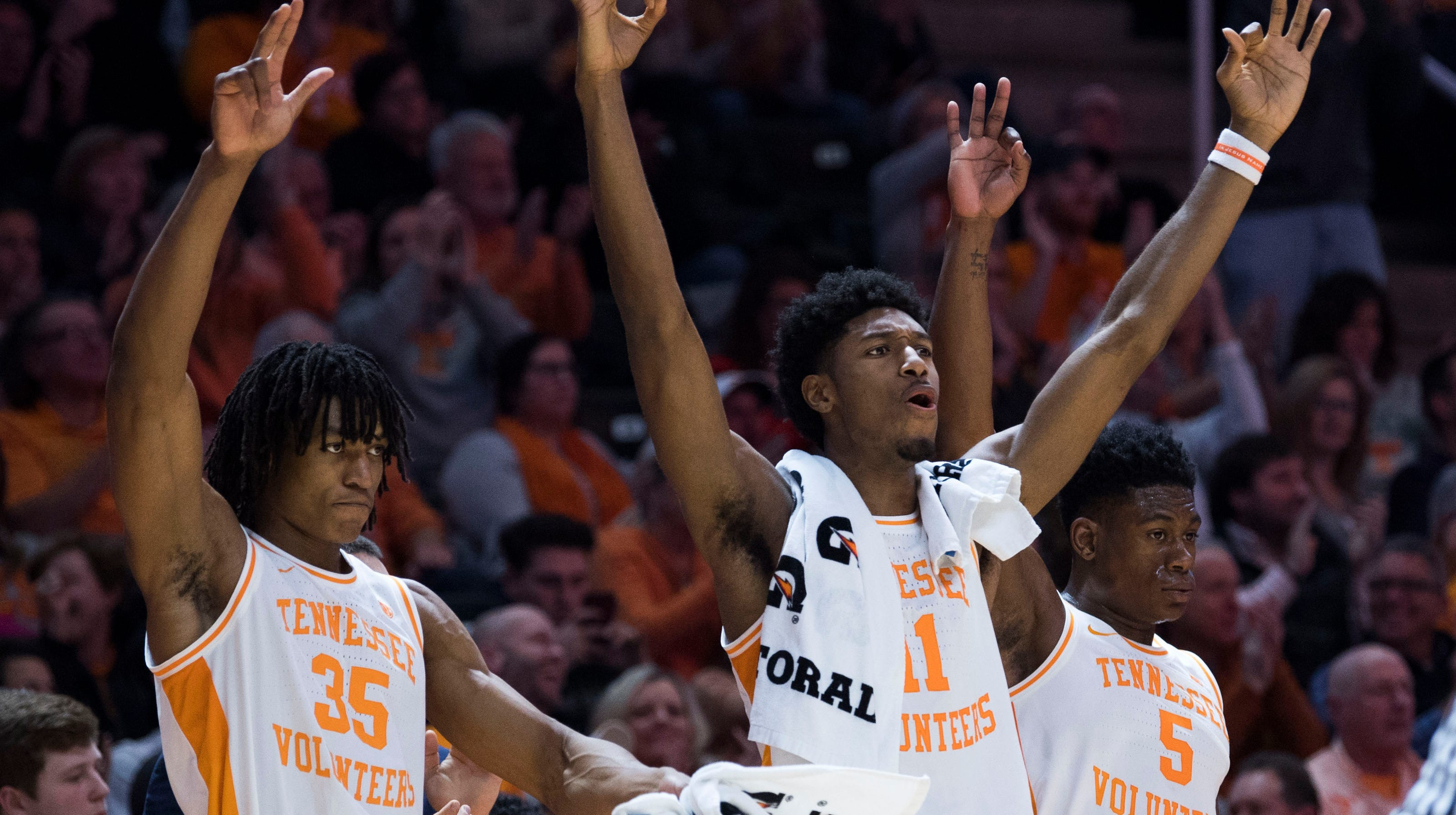 Tennessee's Yves Pons (35) Tennessee's Kyle...