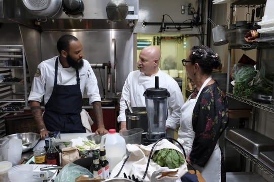 Contestant Justin Sutherland talks to judge Tom Collicchio and super-chef Nancy Silverton on episode 7 of Bravo's 'Top Chef: Kentucky.