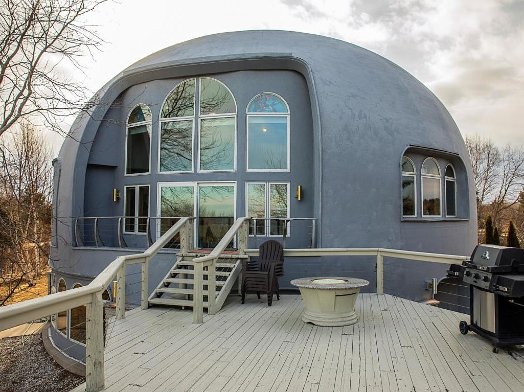 Manitowoc dome home patio